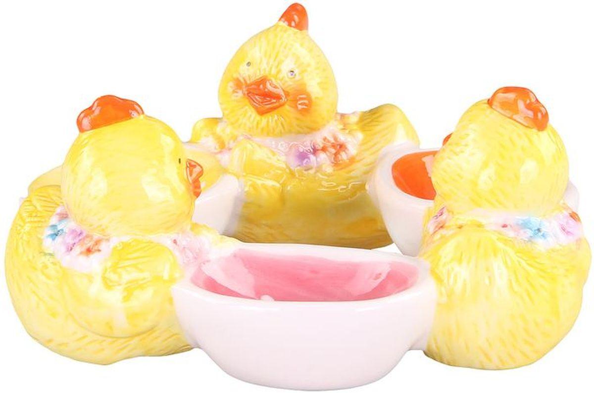 Подставка для 3-ёх яиц 15*145*6 см PATRICIAIM16-0005Набор из трех подставок для яиц выполнен из керамики высокого качества.В праздничный день изделие станет украшением вашего стола.