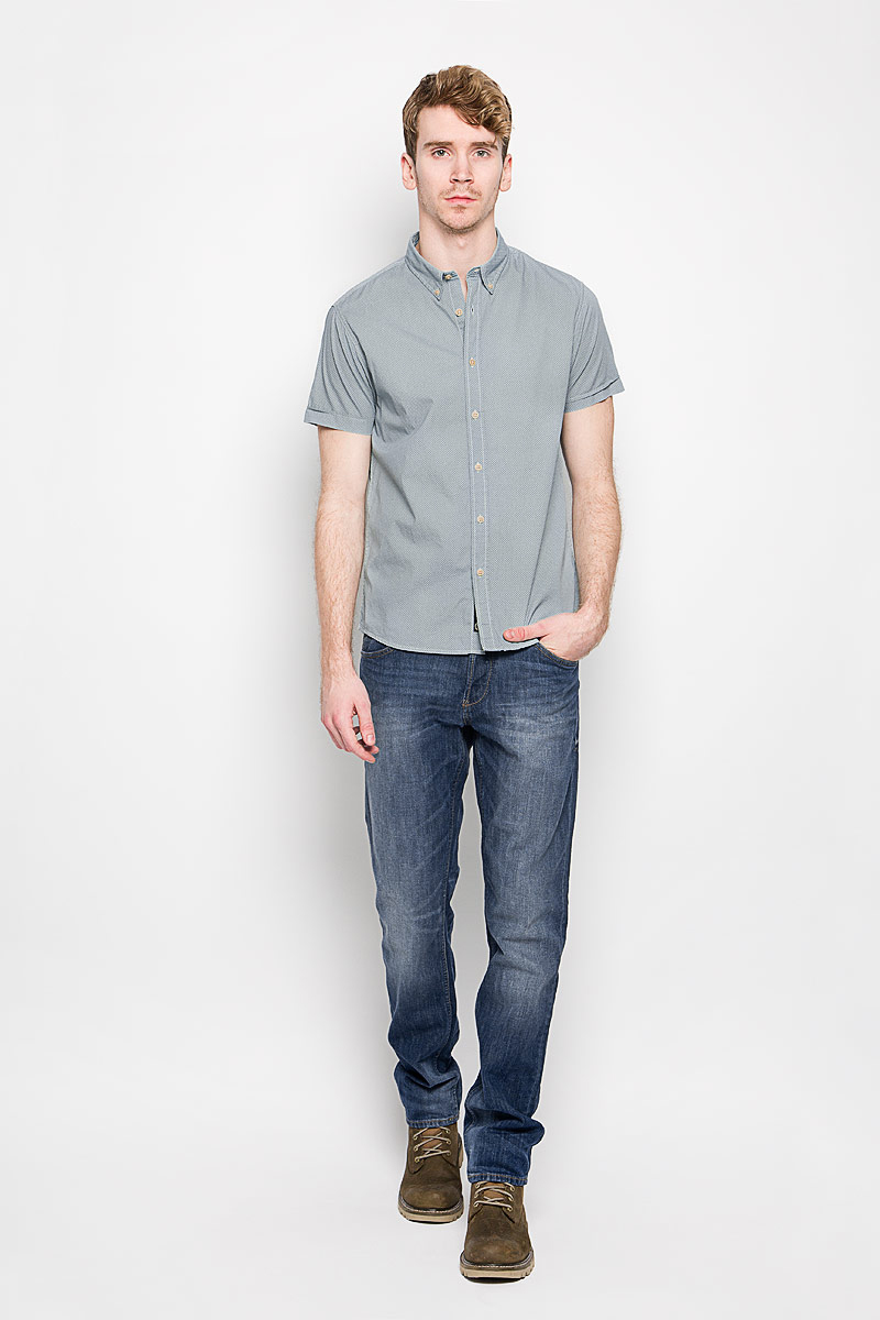Рубашка мужская Broadway, цвет: серо-зеленый. 20100198_636. Размер M (48)20100198_636Стильная мужская рубашка Broadway, изготовленная из высококачественного хлопка, необычайно мягкая и приятная на ощупь, не сковывает движения и позволяет коже дышать, обеспечивая наибольший комфорт.Модная рубашка с отложным воротником и короткими рукавами застегивается на пластиковые пуговицы. Уголки воротника фиксируются также при помощи пуговиц.Такая модель будет дарить вам комфорт в течение всего дня и станет стильным дополнением к вашему гардеробу.
