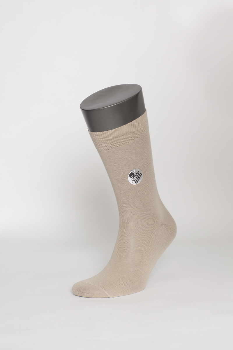 Носки мужские Uomo Fiero, цвет: бежевый. MS023. Размер 27 (41/43)MS023Мужские носки Uomo Fiero изготовлены из высококачественного хлопка с добавлением полиамида. Носки с классическим паголенком дополнены эластичной резинкой, которая надежно фиксирует носки на ноге.