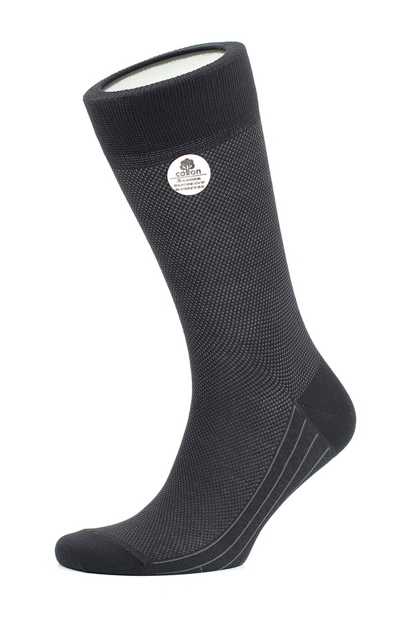 Носки мужские Uomo Fiero, цвет: черный. MS061. Размер 25 (39/41)MS061Мужские носки Uomo Fiero, изготовленные из высококачественного комбинированного материала, очень мягкие и приятные на ощупь, позволяют коже дышать. Эластичная резинка плотно облегает ногу, не сдавливая ее, обеспечивая комфорт и удобство. Носки обладают повышенной прочностью, не подвержены усадке. Изделие оформлено геометрическим орнаментом. Модель с классическим паголенком.Идеальное сочетание практичности, комфорта и элегантности!