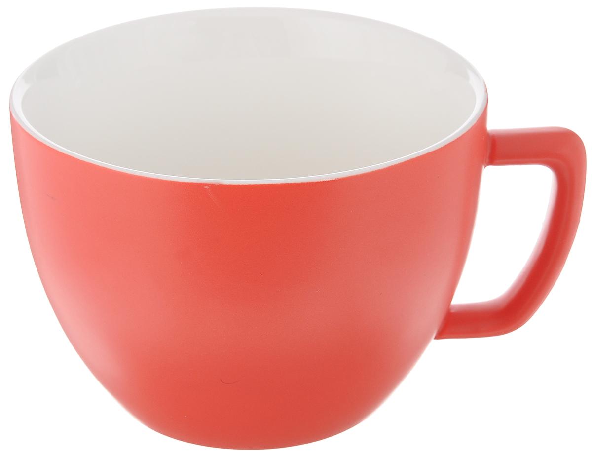 Кружка Tescoma Crema Tone, цвет: красный, 550 мл387148_красныйКружка Tescoma Crema Tone, изготовленная из высококачественного фарфора, прекрасно дополнит интерьер вашей кухни. Изящный дизайн кружки придется по вкусу и ценителям классики, и тем, кто предпочитает утонченность и изысканность. Кружка Tescoma Crema Tone станет хорошим подарком к любому празднику. Диаметр (по верхнему краю): 12 см.Высота: 9 см.