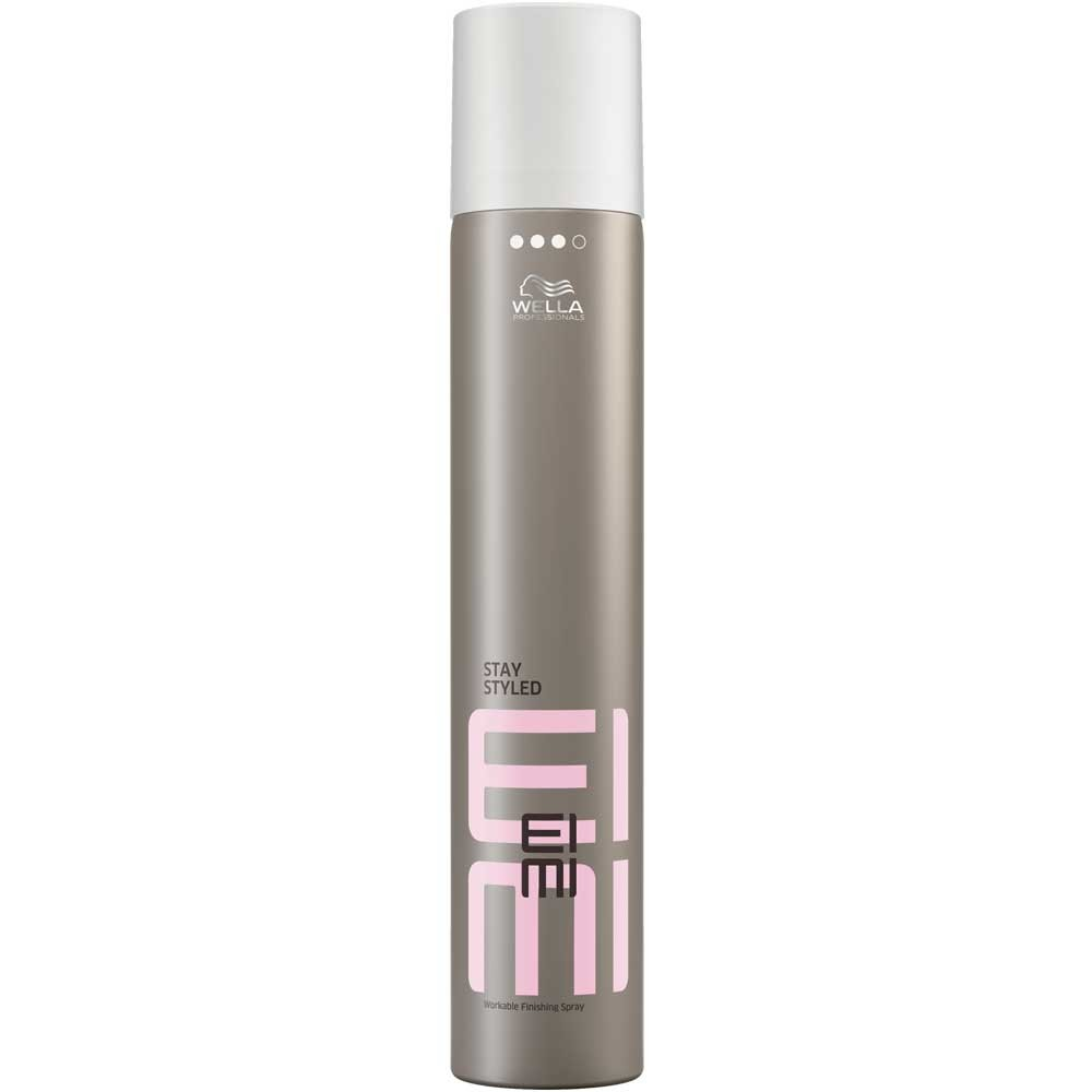 Wella Лак для волос сильной фиксации EIMI Stay Styled, 500 мл81511619/3627Stay Styled - Лак для волос сильной фиксацииНадолго сохраняет идеальную форму укладки.Помогает защитить волосы от влаги, UV-лучей и воздействия высоких температур во время укладки.Чарующий аромат.Сухое распыление.Способ применения:Равномерно распылите на волосы, держа флакон на расстоянии вытянутой руки.