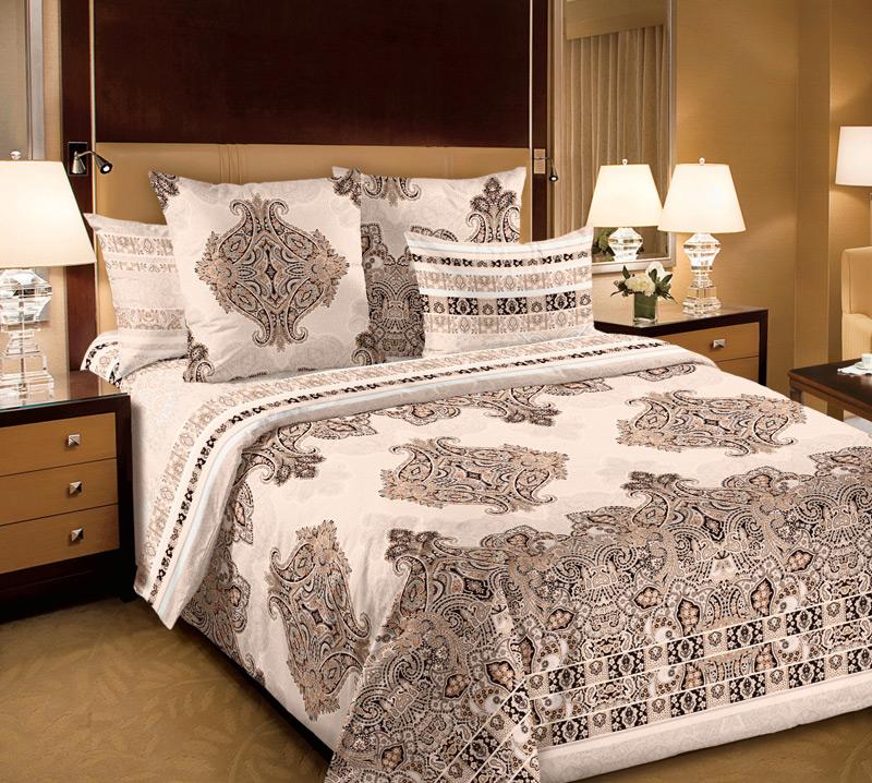Комплект белья Текс-Дизайн Индонезия 5, семейный, наволочки 70х70, цвет: бежевый6250ПВеликолепное постельное белье Текс-Дизайн Индонезия 5 выполнено из высококачественного перкаля (100% хлопок) и украшено необычным орнаментом. Комплект состоит из двух пододеяльников, простыни и двух наволочек. Перкаль - это тонкая и легкая хлопчатобумажная ткань высокой плотности полотняного переплетения, сотканная из пряжи высоких номеров. При изготовлении перкаля используются длинноволокнистые сорта хлопка, что обеспечивает высокие потребительские свойства материала. Несмотря на свою утонченность, перкаль очень практичен - это одна из самых износостойких тканей для постельного белья.