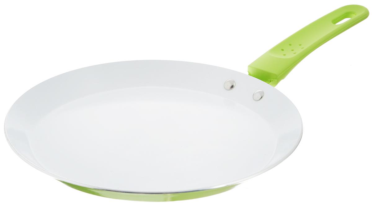 """Сковорода """"Добрыня"""" выполнена из   высококачественного алюминия с экологически   безопасным трехслойным покрытием. Изделие   оснащено эргономичной прорезиненной ручкой с   эффектом soft-touch. Благодаря уникальному   утолщенному дну посуда равномерно   распределяет тепло и экономит электроэнергию.   Не содержит PFOA и PTFE.Подходит для всех видов плит, включая   индукционные. Можно мыть в посудомоечной   машине.Диаметр сковороды по верхнему краю: 22 см.   Высота стенки: 2 см. Длина ручки: 16 см. Диаметр индукционного диска: 15 см.    Простой рецепт блинов на Масленицу – статья на OZON Гид."""