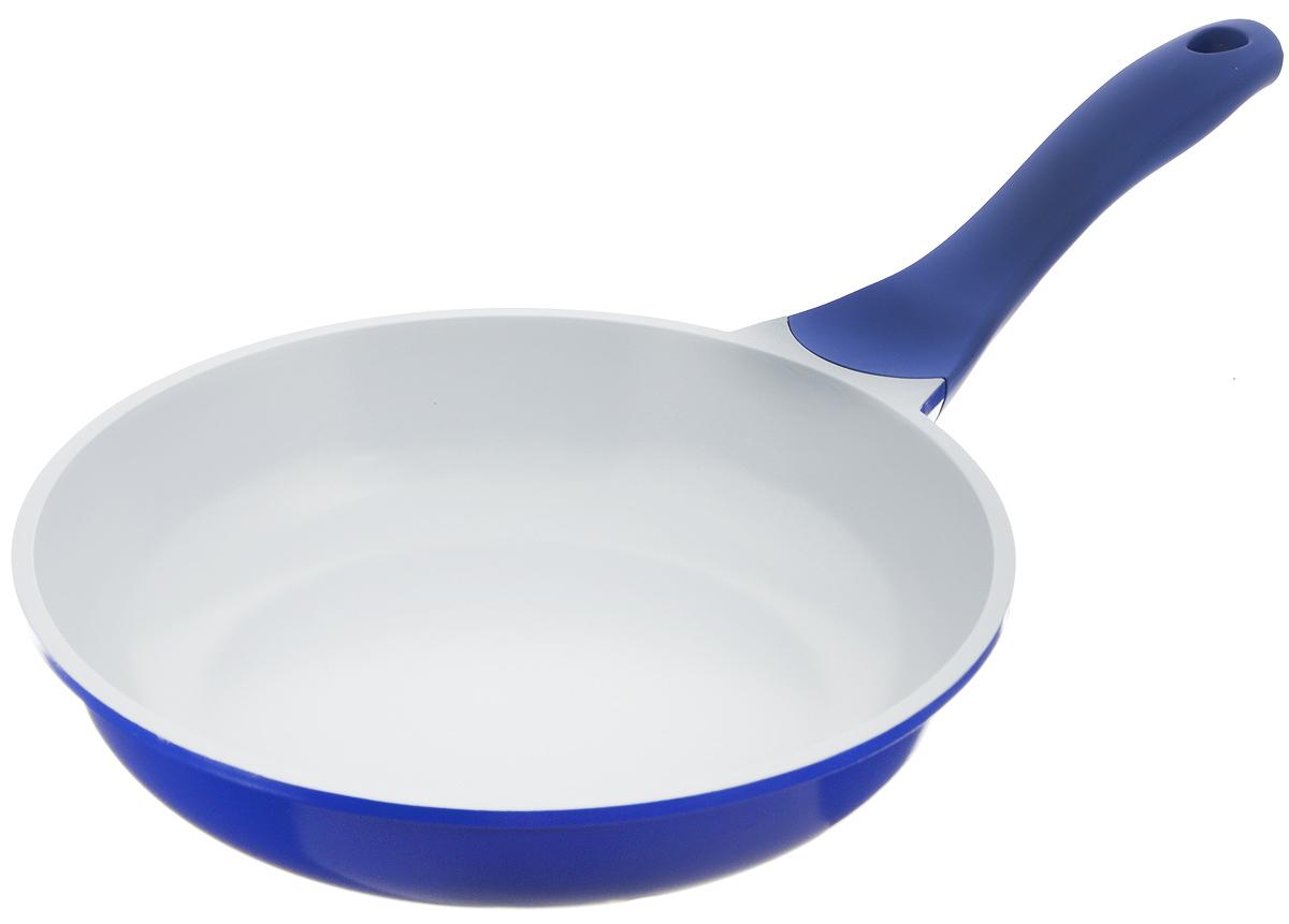 Сковорода Biostal, с керамическим покрытием, цвет: синий, серый. Диаметр 24 см. FP-24Bio-FP-24 синий/серыйСковорода Biostal выполнена из литого алюминия с многослойным керамическим покрытием Ceralon на основе натуральных компонентов швейцарского производства Ilag. Утолщенное дно изделия обеспечивает равномерное распределение тепла по всей рабочей поверхности. Ненагревающаяся эргономичная ручка из бакелита с покрытием soft-touch обеспечит удобный захват, превращая процесс приготовления пищи в удовольствие. Можно готовить с минимальным количеством масла.Подходит для использования на газовых, электрических и стеклокерамических плитах, кроме индукционных. Можно мыть в посудомоечной машине.Диаметр сковороды: 24 см. Высота стенки: 6 см. Длина ручки: 20 см.