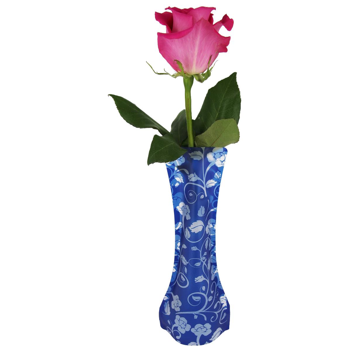"""Пластичная ваза """"Синие бутоны"""" легко складывается, удобно хранится - занимает мало места, долго служит. Всегда пригодится дома, в офисе, на даче, для оформления различных мероприятий. Отлично подойдет для перевозки цветов, или просто в подарок.Инструкция: 1. Наполните вазу теплой водой;2. Дно и стенки расправятся;3. Вылейте воду;4. Наполните вазу холодной водой;5. Вставьте цветы.Меры предосторожности:Хранить вдали от источников тепла и яркого солнечного света. С осторожностью применять для растений с длинными стеблями и с крупными соцветиями, что бы избежать опрокидывания вазы."""