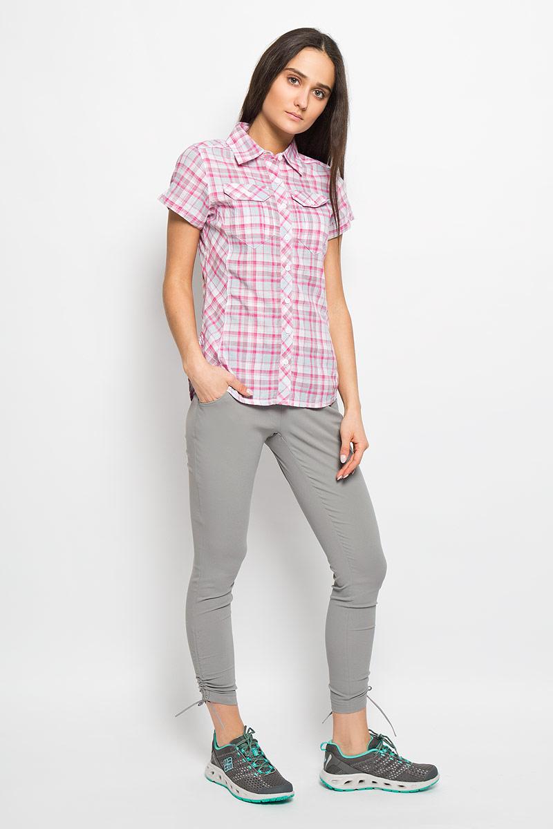 Рубашка женская Columbia Camp Henry SS Shirt, цвет: белый, розовый, серый. 1450311_653. Размер S (44)1450311_653Стильная женская рубашка Columbia Camp Henry SS Shirt, изготовленная из натурального хлопка, обладает высокой теплопроводностью, воздухопроницаемостью и гигроскопичностью, не сковывает движения и позволяет коже дышать, обеспечивая наибольший комфорт при носке. Рубашка с короткими рукавами, закругленным низом и отложным воротничком застегивается на пуговицы по всей длине. На груди расположены два накладных кармана, закрывающиеся на пуговицу. Приталенный силуэт подчеркнет вашу женственность и элегантность. Такую модную рубашку вы сможете комбинировать с любыми элементами гардероба и будете чувствовать себя в ней уютно и комфортно.