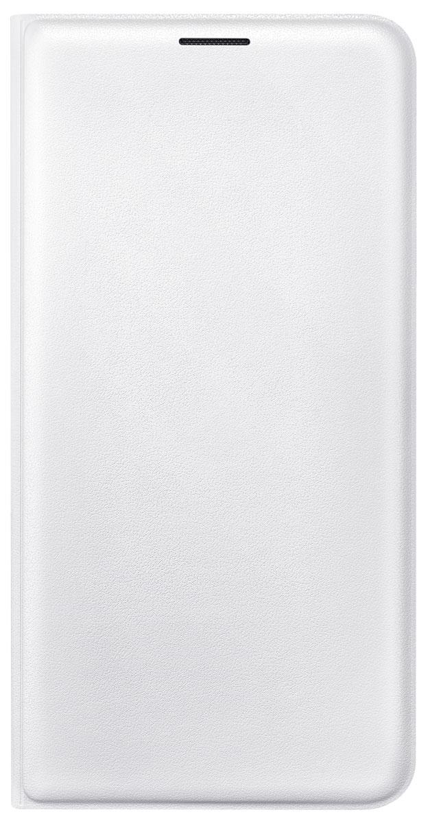 Samsung EF-WJ710P Flip Wallet чехол для Galaxy J7 (2016), WhiteEF-WJ710PWEGRUС чехлом Samsung Flip Wallet смартфону Samsung Galaxy J7 (2016) обеспечена всесторонняя защита. Особенностью данного аксессуара является многофункциональность. Он не только предохраняет девайс от нежелательных воздействий окружающей среды, но и выполняет роль бумажника. Внутренний кармашек можно использовать для хранения визитки или кредитной карты. Чехол выполнен из мягкой эко-кожи, приятен на ощупь. Качественные материалы чехла обеспечивают смартфону долгий срок эксплуатации.