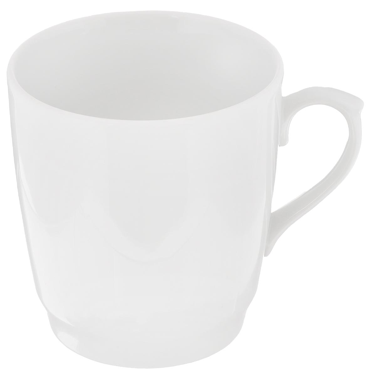 Кружка Белье, 400 мл6С0118Кружка Белье изготовлена из высококачественного фарфора. Такая кружка прекрасно подойдет для горячих и холодных напитков. Она дополнит коллекцию вашей кухонной посуды и будет служить долгие годы.Диаметр кружки (по верхнему краю): 8,5 см.Диаметр основания: 6,2 см.Высота кружки: 9,2 см.