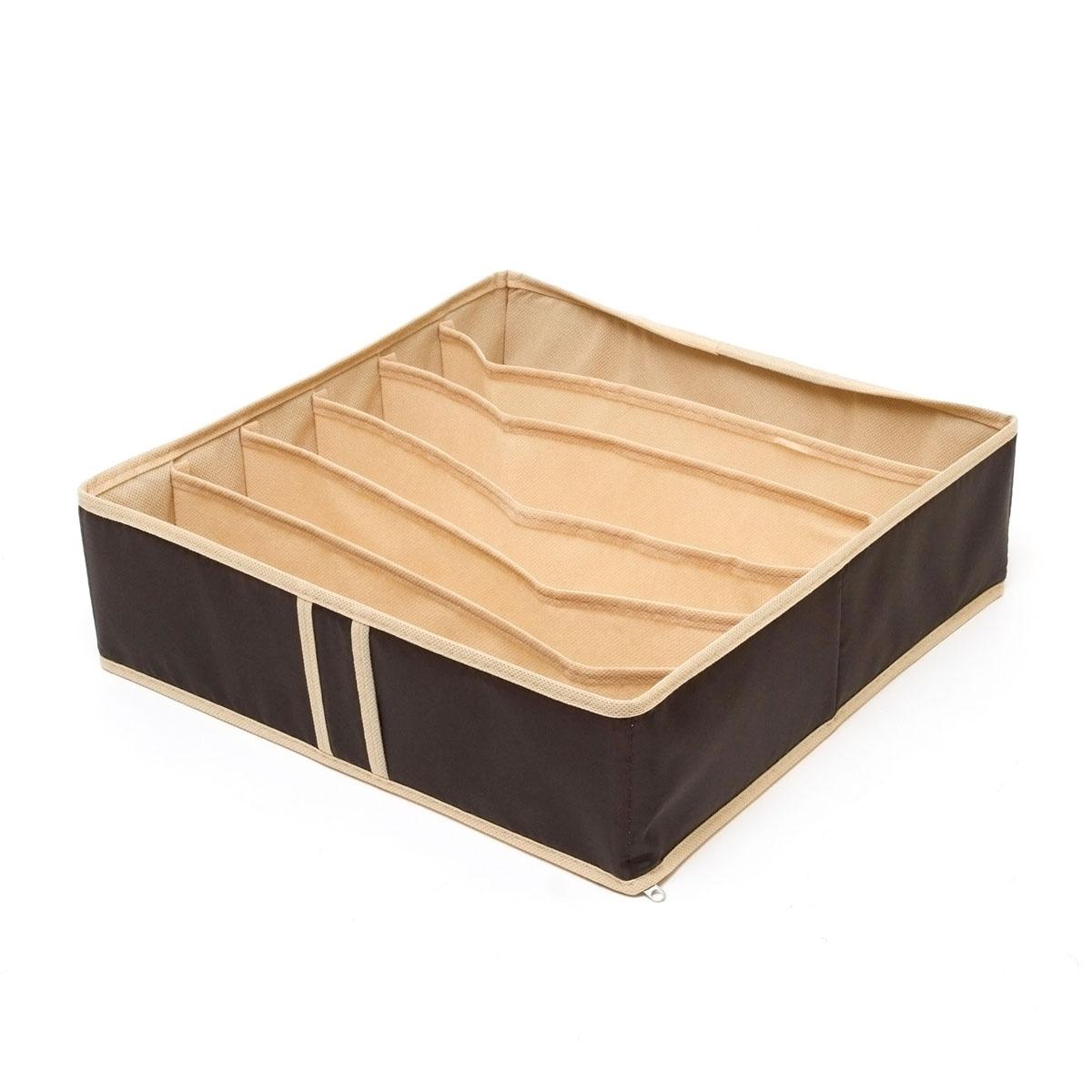Органайзер для хранения Homsu Costa-Rica, 6 секций, 35 x 35 x 10 смHOM-43Компактный органайзер Homsu Costa-Rica изготовлен из высококачественного полиэстера, который обеспечивает естественную вентиляцию. Материал позволяет воздуху свободно проникать внутрь, но не пропускает пыль. Органайзер отлично держит форму, благодаря вставкам из плотного картона. Изделие имеет 6 секций для хранения носков, платков, галстуков и других вещей.Такой органайзер позволит вам хранить вещи компактно и удобно.Размер секции: 32 х 5 см.
