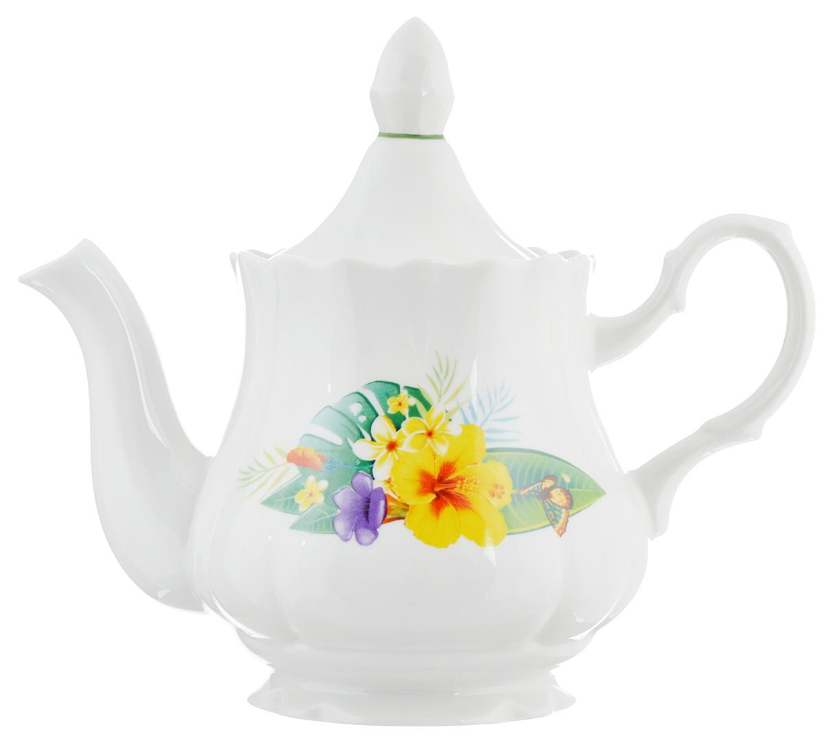 Чайник заварочный Романс. Райский остров, 800 мл1303780Заварочный чайник Романс. Райский остров выполнен из высококачественного фарфора и покрыт сверкающей глазурью. Изделие оформлено ярким цветочным рисунком и оснащено крышкой. Заварочный чайник Романс. Райский остров придется по вкусу и ценителям классики, и тем, кто предпочитает утонченность и изысканность.Диаметр (по верхнему краю): 10 см. Высота чайника (без учета крышки): 12,5 см.