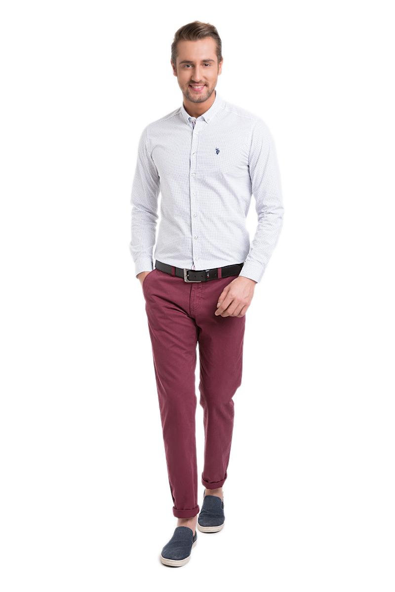 Брюки мужские U.S. Polo Assn., цвет: бордовый. G081SZ078PARISKR016Y-ING_VR014. Размер 29 (44/46)G081SZ078PARISKR016Y-ING_VR014Стильные мужские брюки U.S. Polo Assn. великолепно подойдут для повседневной носки и помогут вам создать незабываемый современный образ. Классическая модель прямого кроя и стандартной посадки изготовлена из натурального хлопка, благодаря чему великолепно пропускает воздух, обладает высокой гигроскопичностью и превосходно сидит. Брюки застегиваются на ширинку на застежке-молнии, а также пуговицу на поясе. На поясе расположены шлевки для ремня. Брюки оснащены двумя втачными карманами, и двумя втачными карманами на пуговицах сзади.Эти модные и в тоже время удобные брюки станут великолепным дополнением к вашему гардеробу. В них вы всегда будете чувствовать себя уверенно и комфортно.