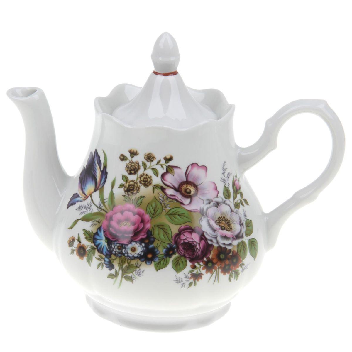 Чайник Романс. Букет цветов, 1,75 л1303769Заварочный чайник Романс. Букет цветов изготовлен из высококачественного фарфора. Посудаоформлена ярким рисунком. Такой чайник идеально подойдет для заваривания чая. Он хорошо держит температуру, что способствует более полному раскрытию цвета, аромата и вкуса чайного букета. Изделие прекрасно дополнит сервировку стола к чаепитию и станет его неизменным атрибутом.Объем: 550 мл. Диаметр (по верхнему краю): 9,6 см. Диаметр основания: 6,2 см.Высота чайника (без учета крышки): 10 см.