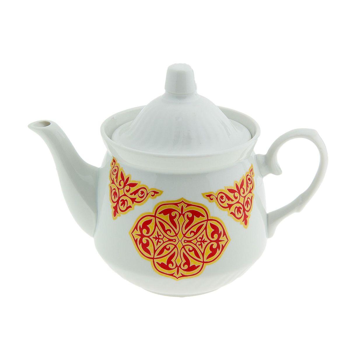 Чайник Добрушский фарфоровый завод Кирмаш. Восточный, 550 мл507845Заварочный чайник Кирмаш. Восточный изготовлен из высококачественного фарфора. Посудаоформлена ярким рисунком. Такой чайник идеально подойдет для заваривания чая. Он хорошо держит температуру, что способствует более полному раскрытию цвета, аромата и вкуса чайного букета. Изделие прекрасно дополнит сервировку стола к чаепитию и станет его неизменным атрибутом.Объем: 550 мл.