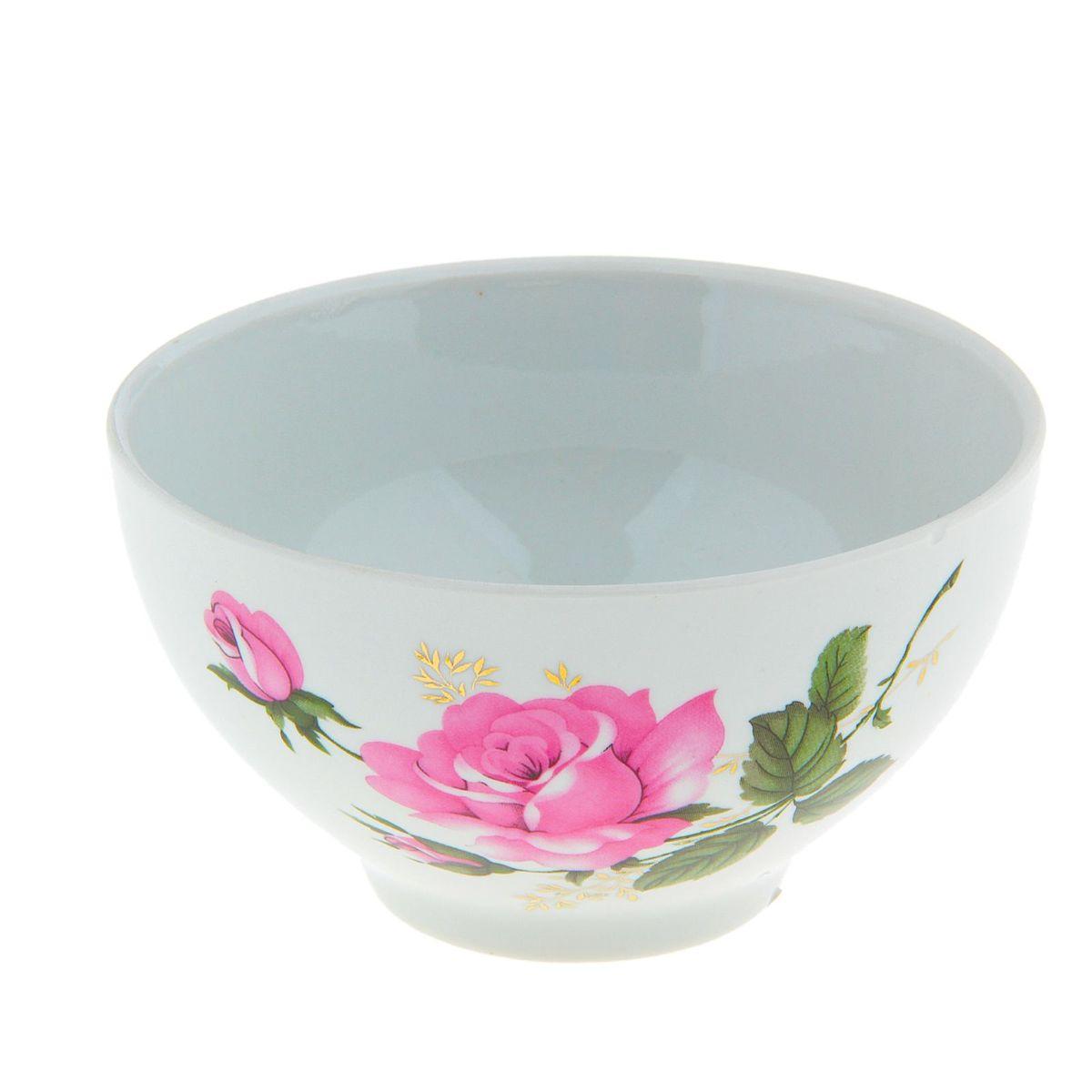 Пиала Глория, 330 мл508044Пиала Глория, изготовленная из высококачественного фарфора, прекрасно подойдет для подачи салата, супа или мороженого. Благодаря лаконичному дизайну, такая пиала станет бесспорным украшением вашего стола. Она дополнит коллекцию кухонной посуды и будет служить долгие годы. Диаметр пиалы: 12 см.
