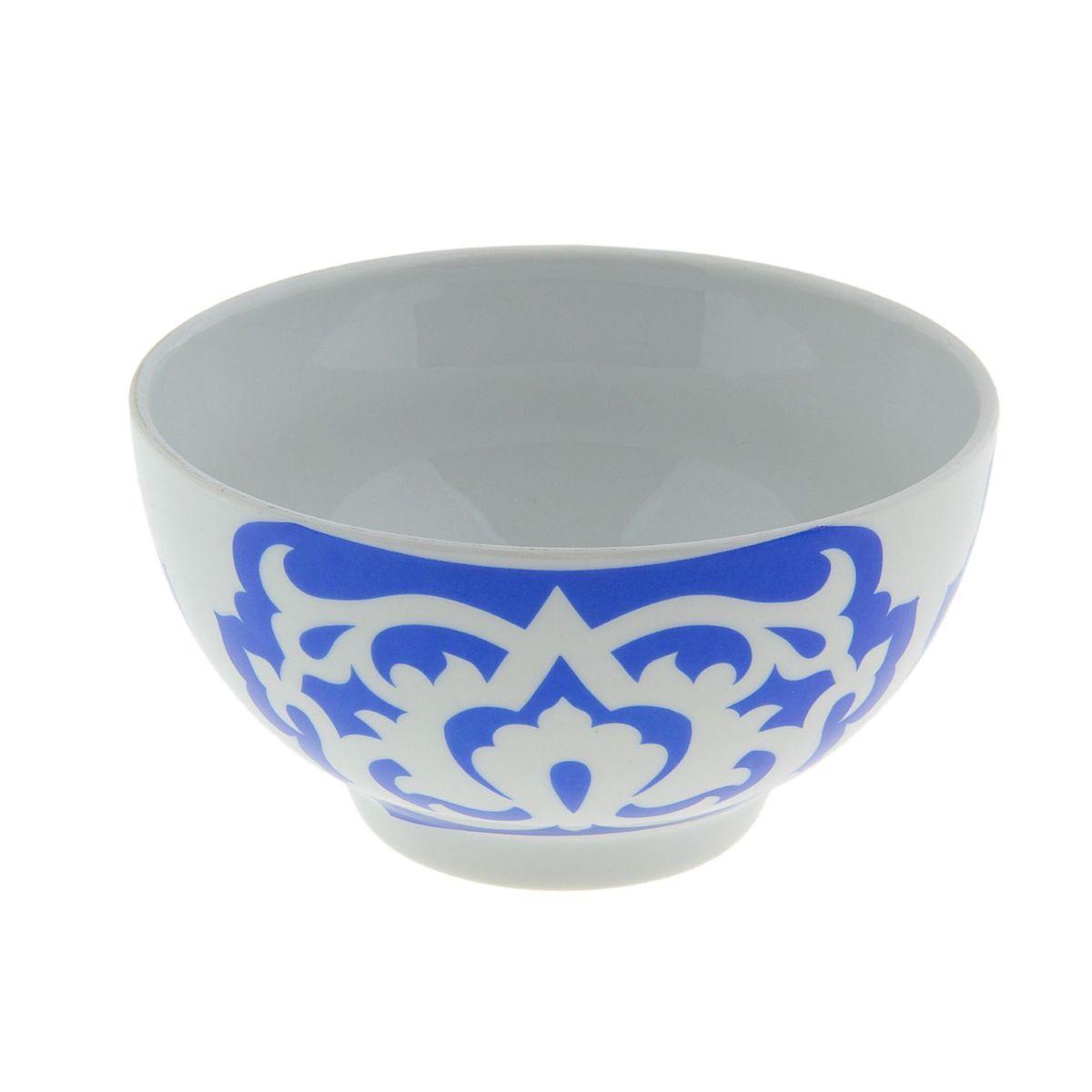 Пиала Азия, цвет: синий, 500 мл508033Пиала Азия гармонично впишется в интерьер любой кухни. Изделие, выполненное из высококачественного фарфора, оформлено замысловатым орнаментом. Такая пиала прекрасно подойдет для подачи салата или мороженого. Она станет бесспорным украшением праздничного или обеденного стола. Пиала Азия дополнит коллекцию кухонной посуды и будет служить долгие годы.