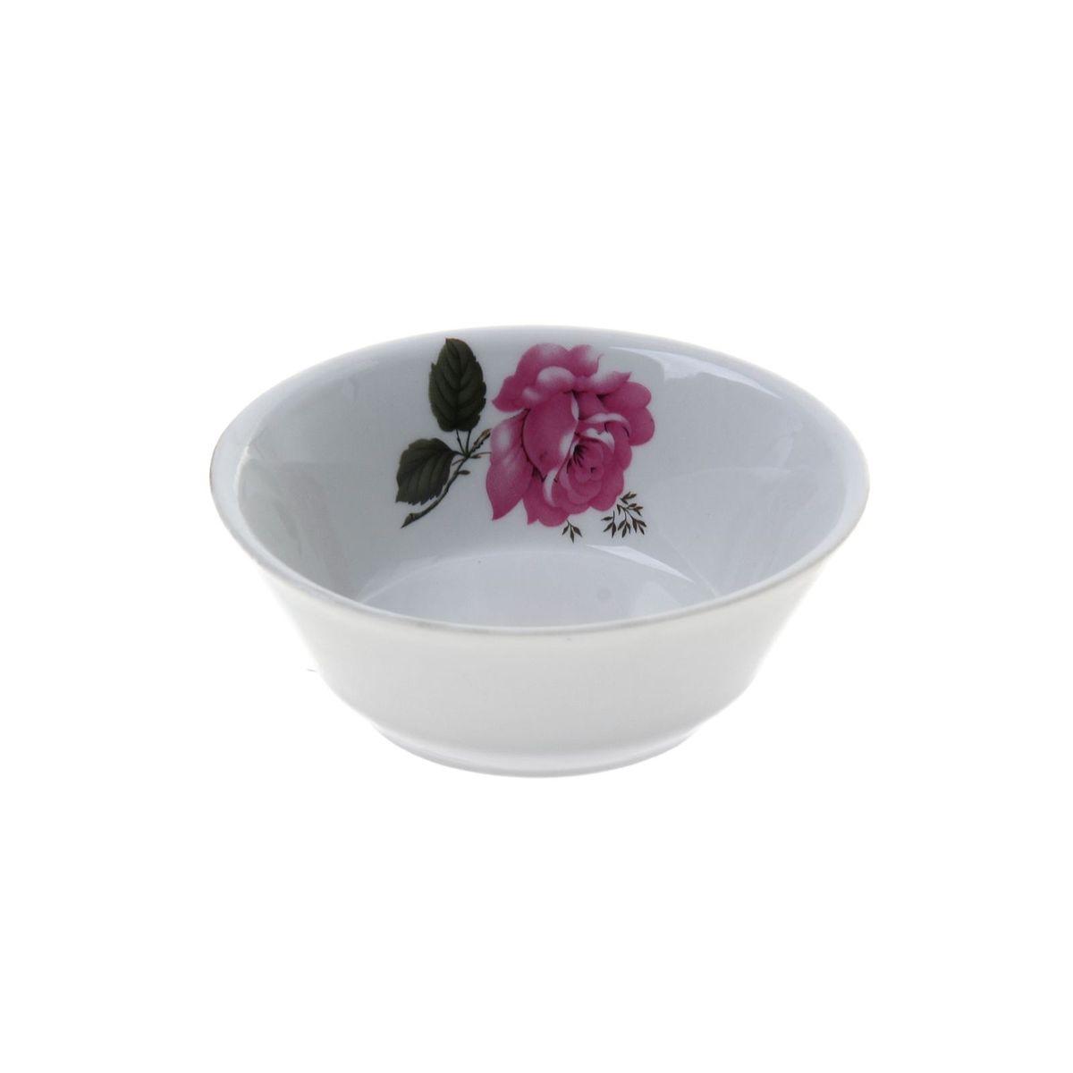 Салатник Добрушский фарфоровый завод изготовлен из высококачественного фарфора и оформлен изображением цветка.  Такой салатник украсит сервировку вашего стола и подчеркнет прекрасный вкус хозяина, а также станет отличным подарком.