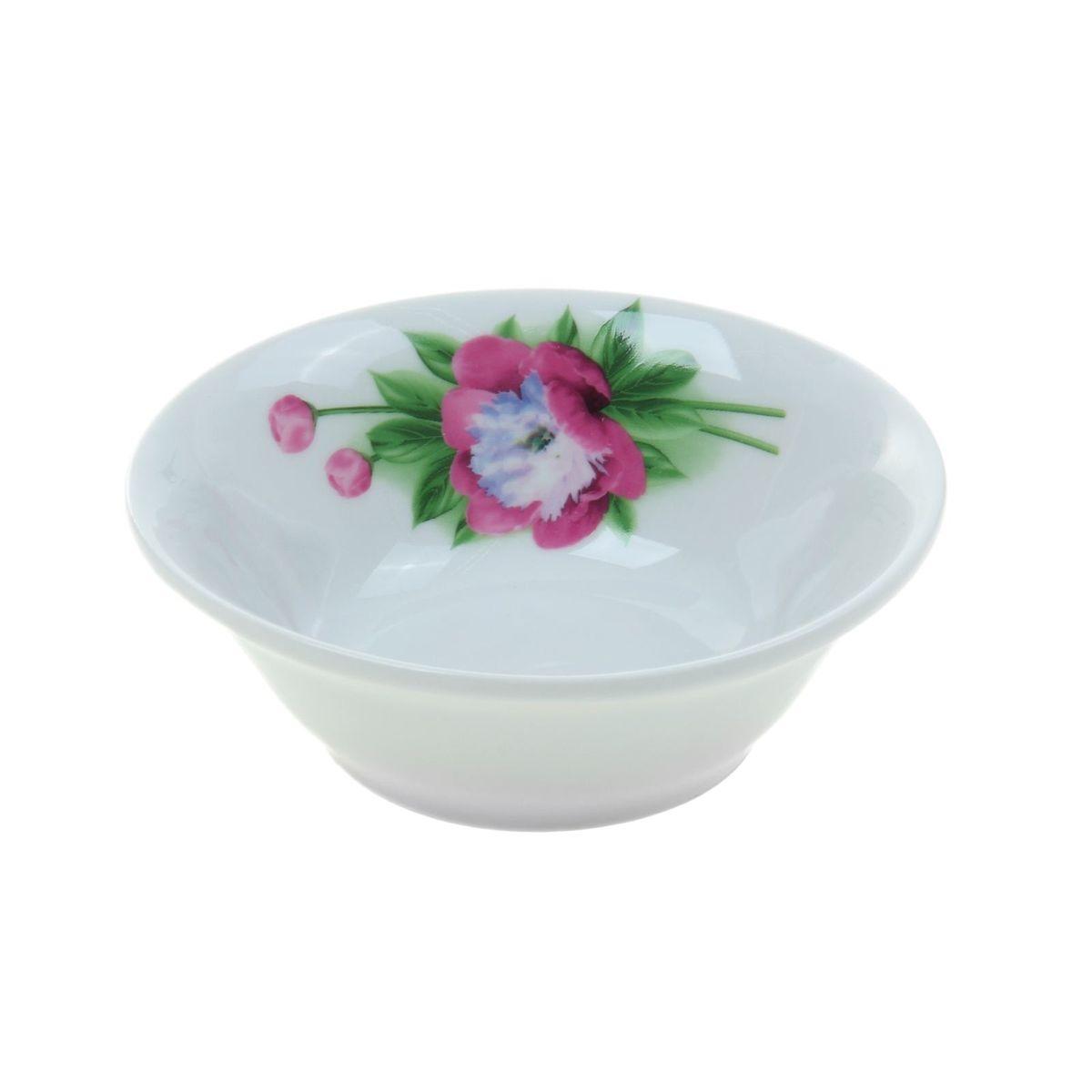 Салатник Идиллия. Пион, 360 мл1035451Элегантный салатник Идиллия. Пион, изготовленный из высококачественного фарфора с глазурованным покрытием, прекрасно подойдет для подачи различных блюд: закусок, салатов или фруктов. Такой салатник украсит ваш праздничный или обеденный стол, а элегантный внешний вид понравится любой хозяйке. Диаметр салатника (по верхнему краю): 14 см. Высота салатника: 4,5 см.