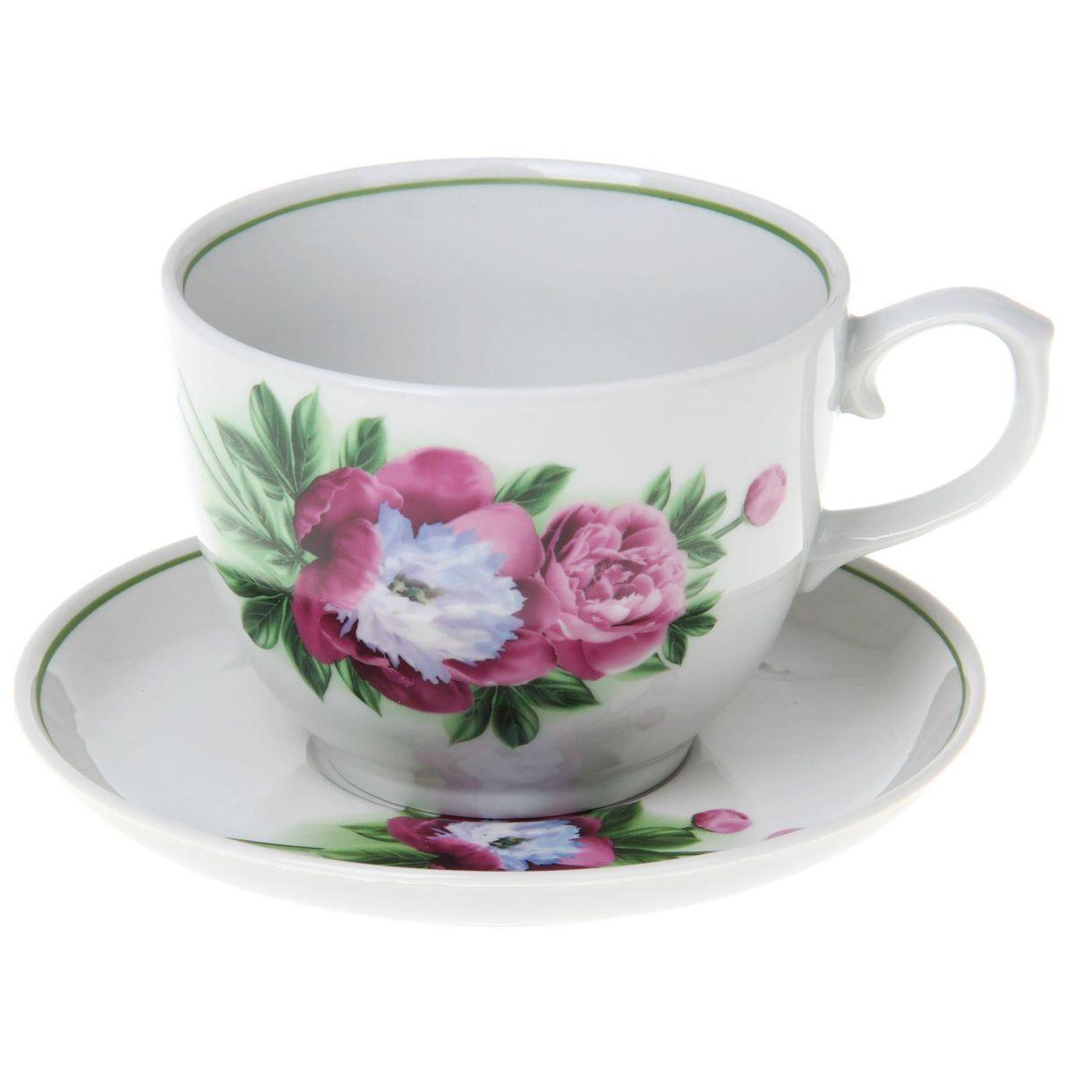 Чайная пара Пион, 2 предмета1303814Чайная пара Пион состоит из чашки и блюдца, изготовленных из высококачественного фарфора. Оригинальный дизайн, несомненно, придется вам по вкусу.Чайная пара Пион украсит ваш кухонный стол, а также станет замечательным подарком к любому празднику.Объем чашки: 500 мл.