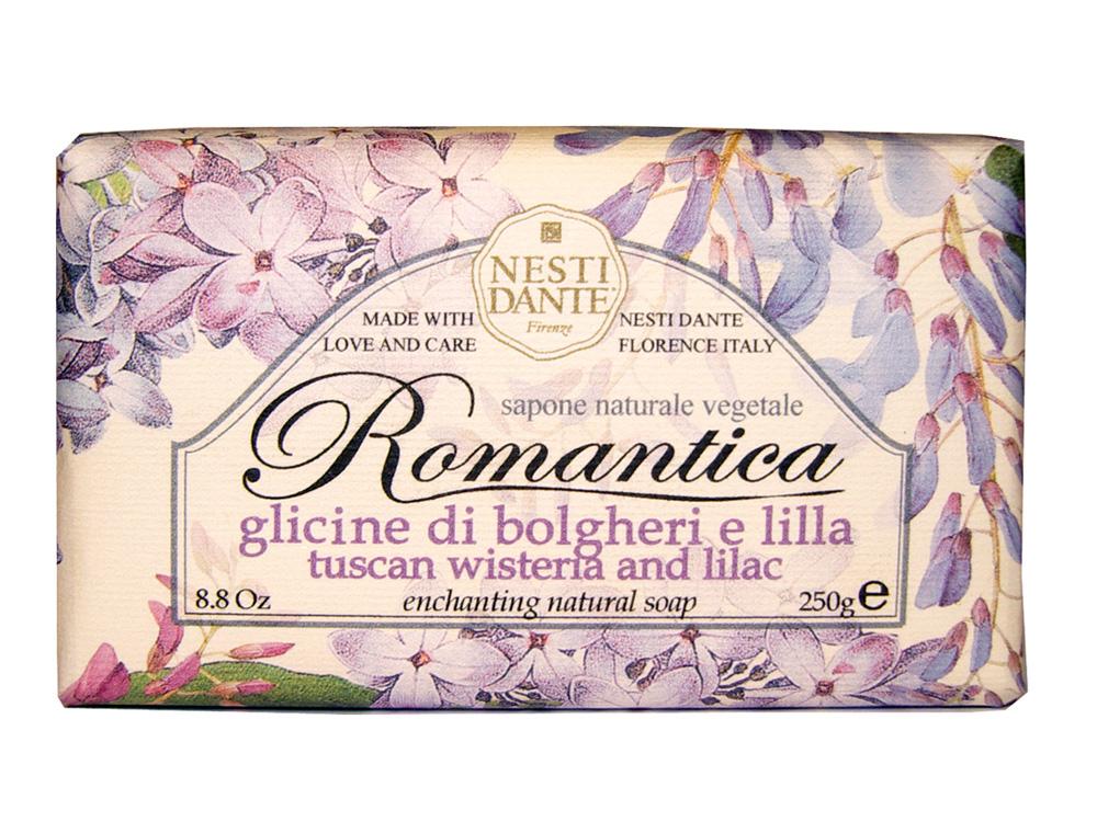 Мыло Nesti Dante Romantica. Тосканская глициния и сирень, 250 г1311106Натуральное мыло премиум-класса Nesti Dante Romantica. Тосканская глициния и сирень - два букета, бережно отобранные самые романтичные и эмоциональные ароматы, самые незабываемые моменты нашей жизни в магии цветов провинции Тоскана. Легкий и прозрачный аромат глицинии сочетается с легким и сладковатым ароматом сирени, нежный цветочный запах напоминает солнечный весенний день.Изысканная флорентийская бумага, в которую завернуто мыло, расписана акварелью, на каждом кусочке мыла выгравирована надпись With Love And Care (С любовю и заботой). Характеристики:Вес: 250 г. Производитель: Италия. Товар сертифицирован. Nesti Dante - одна из немногих итальянских мыловаренных фабрик, которая продолжает использовать в производстве только натуральные ингредиенты и кустарный способ производства. Тщательный выбор каждого ингредиента в отдельности позволяет использовать ценное сырье, такое как цельные нейтральные растительные и животные жиры и эти качественные материалы позволяют получать более обогащенное и более мягкое мыло благодаря присутствию фракции глицерида в жирах.