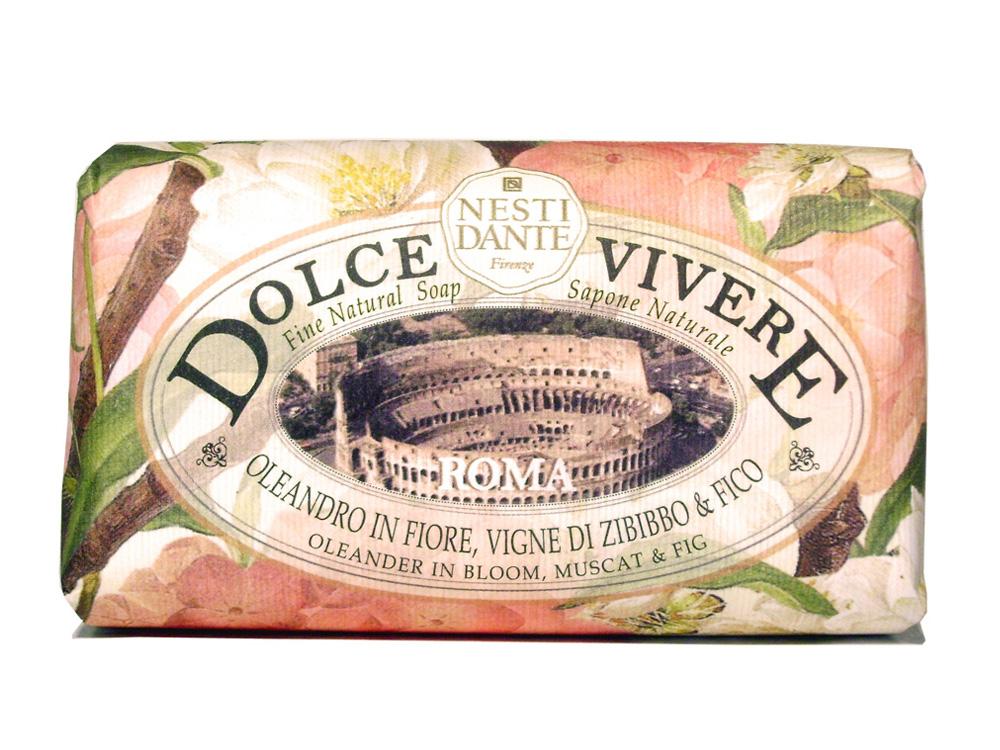 Мыло Nesti Dante Dolce Vivere. Рим, 250 гAL-83714344Великолепное растительное мыло премиум-класса Nesti Dante Dolce Vivere. Рим изготовлено по старинным рецептам и по традиционной котловой технологии, в составе мыла только натуральные оливковое и пальмовое масло высочайшего качества, для ароматизации использованы органические эфирные масла. Мыло Dolce Vivere переносит вас в самые очаровательные места Италии, прекрасные и вдохновляющие виды заливов, городов и деревень, полных очарования, культуры и истории. Рим - взрывная смесь сладкого аромата и сахарных нот создает атмосферу вечной молодости и красоты. Почувствуйте теплое прикосновение цветов олеандра вместе с мускатом и инжиром. Изысканная флорентийская бумага, в которую завернуто мыло, расписана акварелью, на каждом кусочке мыла выгравирована надпись With Love And Care (С любовю и заботой). Характеристики:Вес: 250 г. Производитель: Италия. Товар сертифицирован. Nesti Dante - одна из немногих итальянских мыловаренных фабрик, которая продолжает использовать в производстве только натуральные ингредиенты и кустарный способ производства. Тщательный выбор каждого ингредиента в отдельности позволяет использовать ценное сырье, такое как цельные нейтральные растительные и животные жиры и эти качественные материалы позволяют получать более обогащенное и более мягкое мыло благодаря присутствию фракции глицерида в жирах.