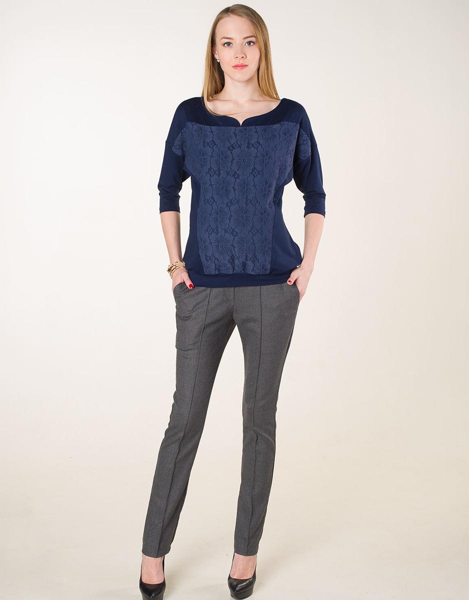 Джемпер для беременных Фэст, цвет: синий. 170509В. Размер XXXXL (56)170509ВОднотонный джемпер для будущих мамочек выполнен из однотонного полотна с кружевной вставкой на полочке. Крой модели предусматривает его носку и в послеродовой период. Фэст — одежда по вашей фигуре.