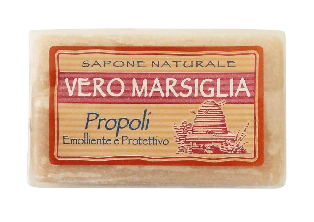 Nesti Dante Мыло Vero Marsiglia. Прополис, 150 г1935124Великолепное растительное мыло Nesti Dante Vero Marsiglia. Прополис изготовлено по старинным рецептам и по традиционной котловой технологии, в составе мыла только натуральные оливковое и пальмовое масло высочайшего качества, для ароматизации использованы органические эфирные масла. Ежедневный ритуал красоты, любви и заботы не только для тела, но и для души.Vero Marsiglia - линия классического мыла создана для традиционного ухода за кожей. Мыло Прополис содержит натуральные экстракты, интенсивно питающие вашу кожу. Товар сертифицирован.