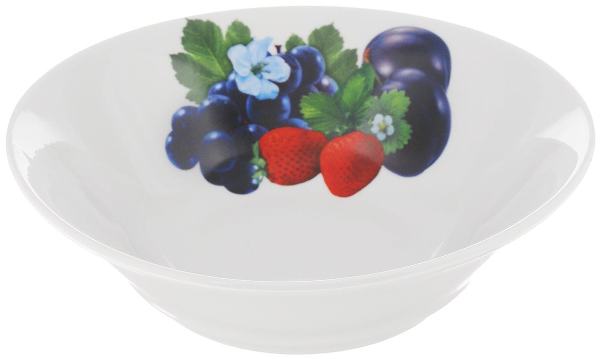 """Великолепный круглый салатник """"Идиллия. Ассорти"""", изготовленный из фарфора, прекрасно подойдет для подачи различных блюд: закусок, салатов или фруктов. Такой салатник украсит ваш праздничный или обеденный стол, а оригинальное исполнение понравится любой хозяйке. Диаметр: 22 см."""
