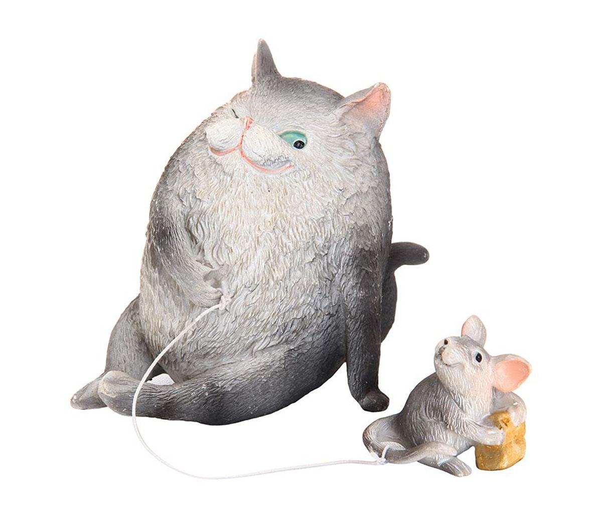 Фигурка декоративная Elan Gallery Кошки-мышки, высота 8 см700014Декоративная фигурка Elan Gallery Кошки-мышки, изготовленная из полистоуна, станет необычным аксессуаром для вашего интерьера. Эта очаровательная вещица станет отличным подарком вашим друзьям и близким.Размер фигурки: 6 х 8 х 8 см.