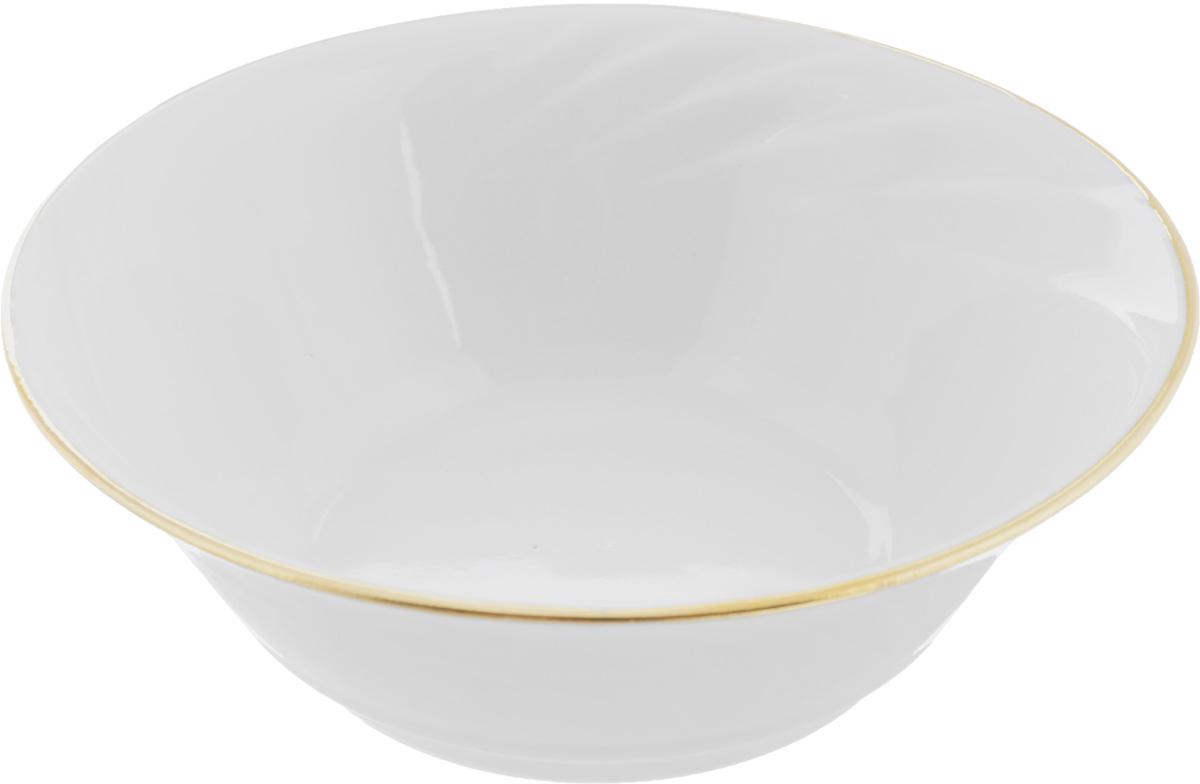 Салатник Голубка, 360 мл507892Элегантный салатник Голубка, изготовленный из высококачественного фарфора, прекрасно подойдет для подачи различных блюд: закусок, салатов или фруктов. Такой салатник украсит ваш праздничный или обеденный стол, а оригинальное исполнение понравится любой хозяйке.