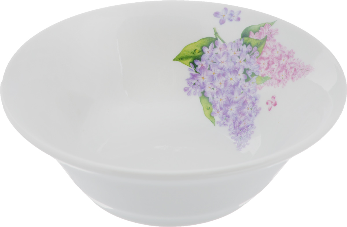 Салатник Идиллия. Сирень, 360 мл4С0334Элегантный салатник Идиллия. Сирень, изготовленный из высококачественного фарфора, прекрасно подойдет для подачи различных блюд: закусок, салатов или фруктов. Такой салатник украсит ваш праздничный или обеденный стол, а оригинальное исполнение понравится любой хозяйке.