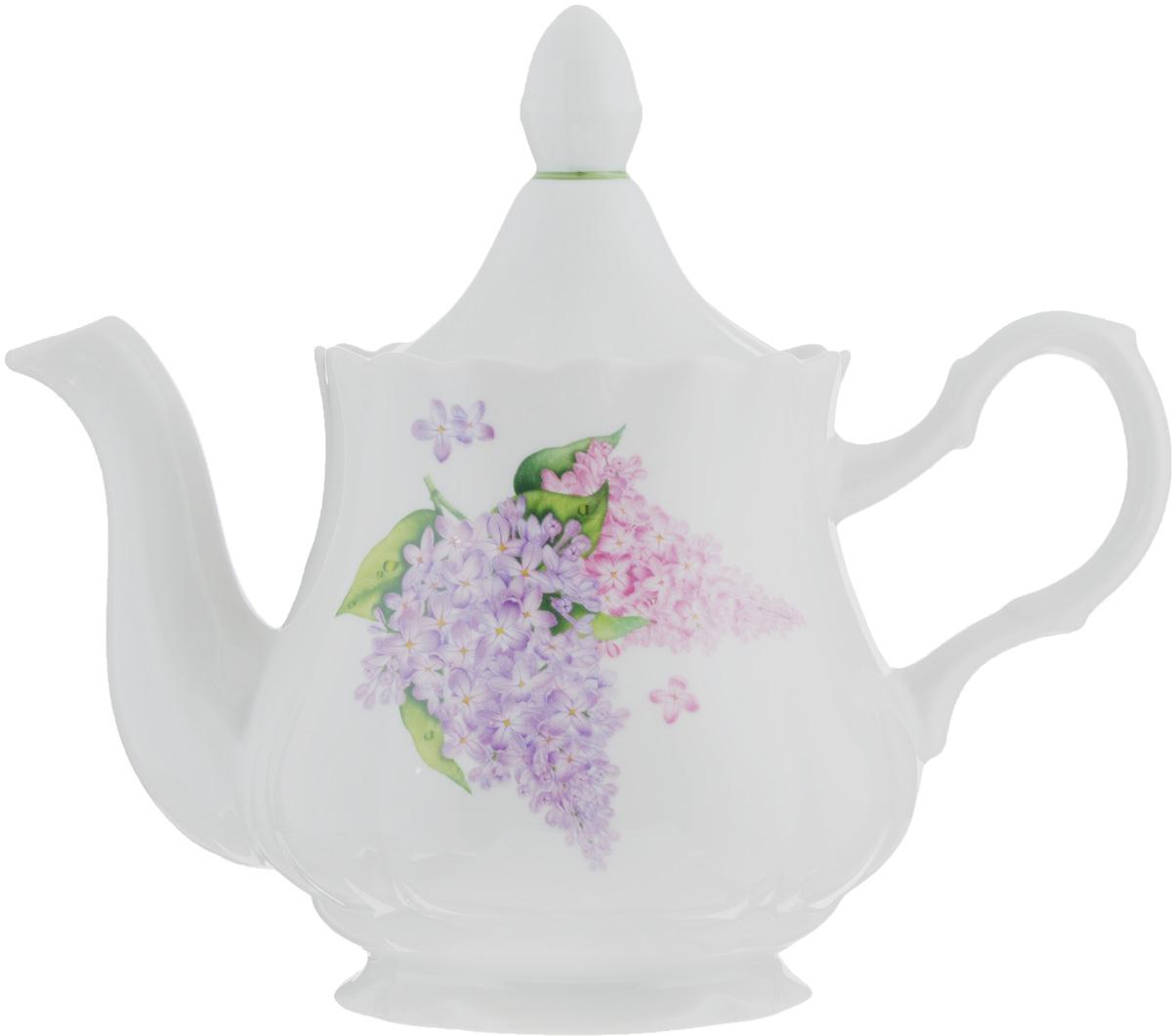 Чайник заварочный Романс. Сирень, 800 мл507772Заварочный чайник Романс. Сирень, выполненный из высококачественного фарфора, покрыт сверкающей глазурью. Изделие оснащено крышкой и украшено цветочным рисунком. Заварочный чайник Романс. Сирень придется по вкусу и ценителям классики, и тем, кто предпочитает утонченность и изысканность.Диаметр (по верхнему краю): 9,5 см. Высота чайника (без учета крышки): 12 см.