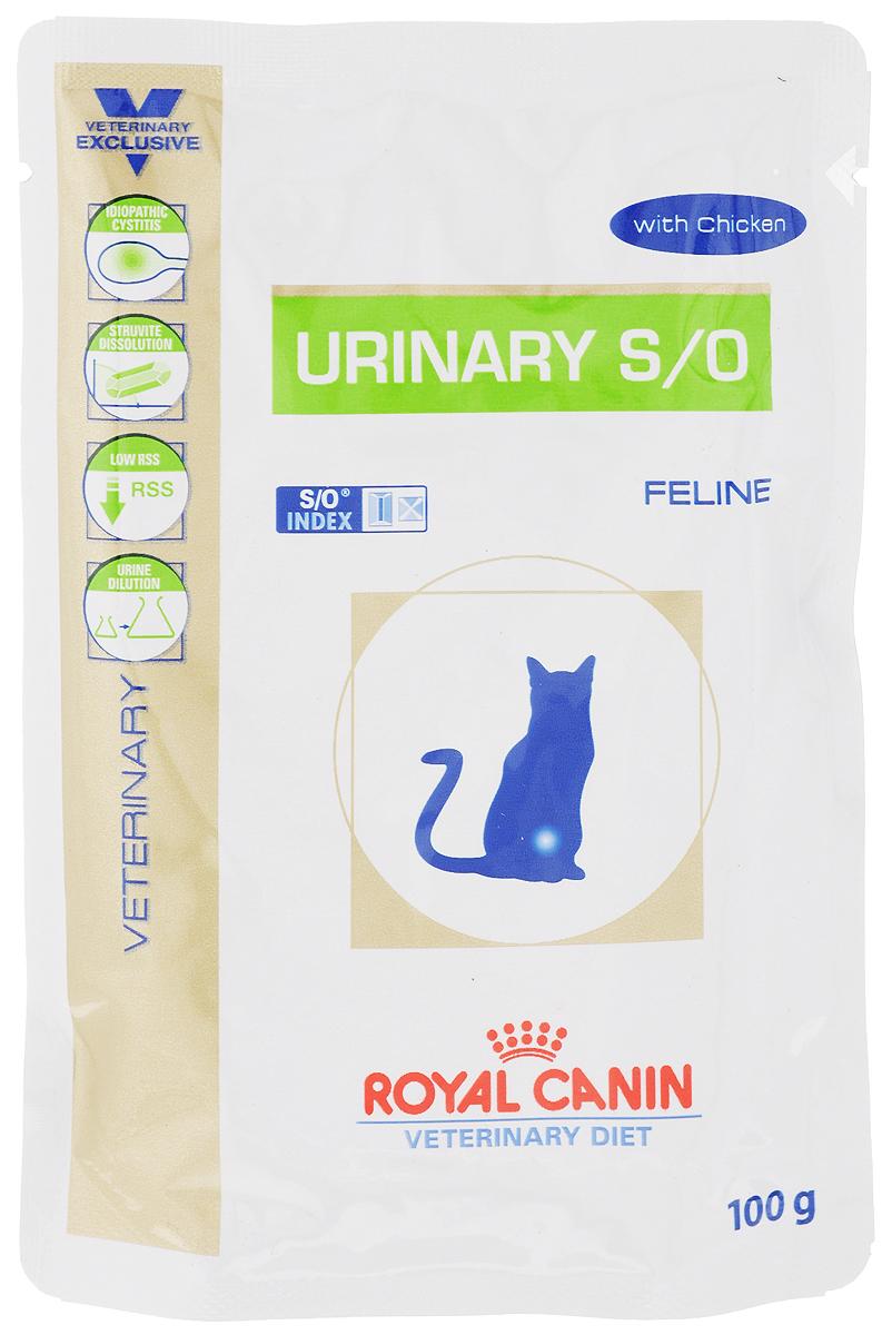 Консервы Royal Canin Urinary Feline S/O для кошек, при заболеваниях мочекаменной болезнью, 100 г22266Консервы Royal Canin Urinary Feline S/O предназначены для кошек с заболеваниями нижних мочевыводящих путей. Показания: - Растворение струвитов; - Профилактика рецидивов уролитиаза, вызываемого струвитами и оксалатами кальция. Примечание: - При повторяющемся идиопатическом цистите рекомендуется влажный диетический корм Urinary S/O Feline; - Перед назначением пожилым животным корма Urinary S/O Feline необходимо убедиться в нормальном функционировании их почек. Противопоказания: - Беременность, лактация, рост; - Хроническая почечная недостаточность; - Метаболический ацидоз; - Сердечная недостаточность; - Гипертония; - Применение лекарственных препаратов, которые используются для подкисления мочи. Длительность курса применения: Струвитные камни растворяются при применении специальной диеты в течение 5-12 недель. Для предупреждения рецидивов уролитиаза курс лечения следует продолжать еще не менее 6 месяцев, при этом необходимо регулярное проведение анализов мочи. После выздоровления рекомендуется использовать корма из гаммы Neutered. Особенности: - Низкий уровень RSS Ненасыщенная моча - неблагоприятная среда для кристаллизации и, следовательно, для образования струвитных и оксалатных камней. - Разбавление мочиПри применении Urinary S/O Feline объем мочи увеличивается, что позволяет предупредить образование кристаллов струвита и оксалата кальция. Таким образом, осуществляется профилактика двух основных видов уролитиаза. - Идиопатический циститВлажный корм содержит воду, благодаря чему моча кошки становится менее концентрированной. Около 64% всех случаев - идиопатический цистит, при рецидиве которого предпочтительнее использовать влажный корм. - Растворение струвитовКорм Urinary S/O Feline эффективно растворяет струвиты. Состав: мясо птицы, свинина, печень птицы, кукурузная мука, яичный порошок, масло подсолнечника, целлюлоза, рыбий жир, минеральные вещества, таурин, гидрол