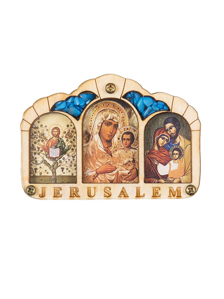 Икона Holy Land Collections Триптих Благословение Водителя Иерусалим, 67 x 46 мм. HL-777A52HL-777A52В наше время тысячи людей проводят полжизни за рулем - в деловых разъездах и семейных путешествиях - и уже считают автомобиль своим вторым домом, который тоже хочется защитить от аварий и других напастей. Иконы для автомобиля выполняют охранную, защитную функцию. Будучи освященными, они оберегают водителя и пассажиров в машине от нежелательных ситуаций.Вы можете выбрать такой подарок для своих друзей и близких, таких же заядлых автомобилистов, как и вы или просто держать ее рядом с собой в машине - возможно, защита Святых придаст вам уверенности в пути, а поездку сделает более приятной.Счасливого пути!Размеры 10 х 7 см