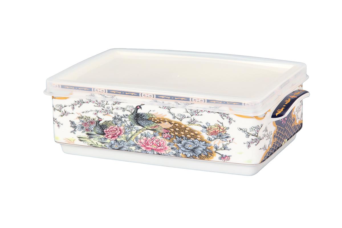 Блюдо для холодца Elan Gallery Павлин, цвет: золотой, с крышкой, 800 мл504088Блюдо для холодца Elan Gallery Павлин, изготовленное из высококачественной керамики, предназначено для приготовления и хранения заливного или холодца. Пластиковая крышка, входящая в комплект, сохранит свежесть вашего блюда. Также блюдо можно использовать для приготовления и хранения салатов. Оформлено изделие оригинальным рисунком. Такое блюдо украсит сервировку вашего стола и подчеркнет прекрасный вкус хозяйки.Не использовать в микроволновой печи. Размер блюда: 20 х 12 х 6,5 см.