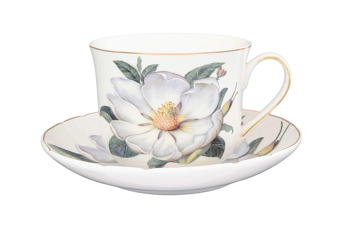 Чайная пара Elan Gallery Белый шиповник, 2 предмета730533Чайная пара Белый шиповник состоит из чашки и блюдца, изготовленных из высококачественной керамики. Красочность оформления придется по вкусу ценителям утонченности и изысканности. Объем чашки: 400 мл.