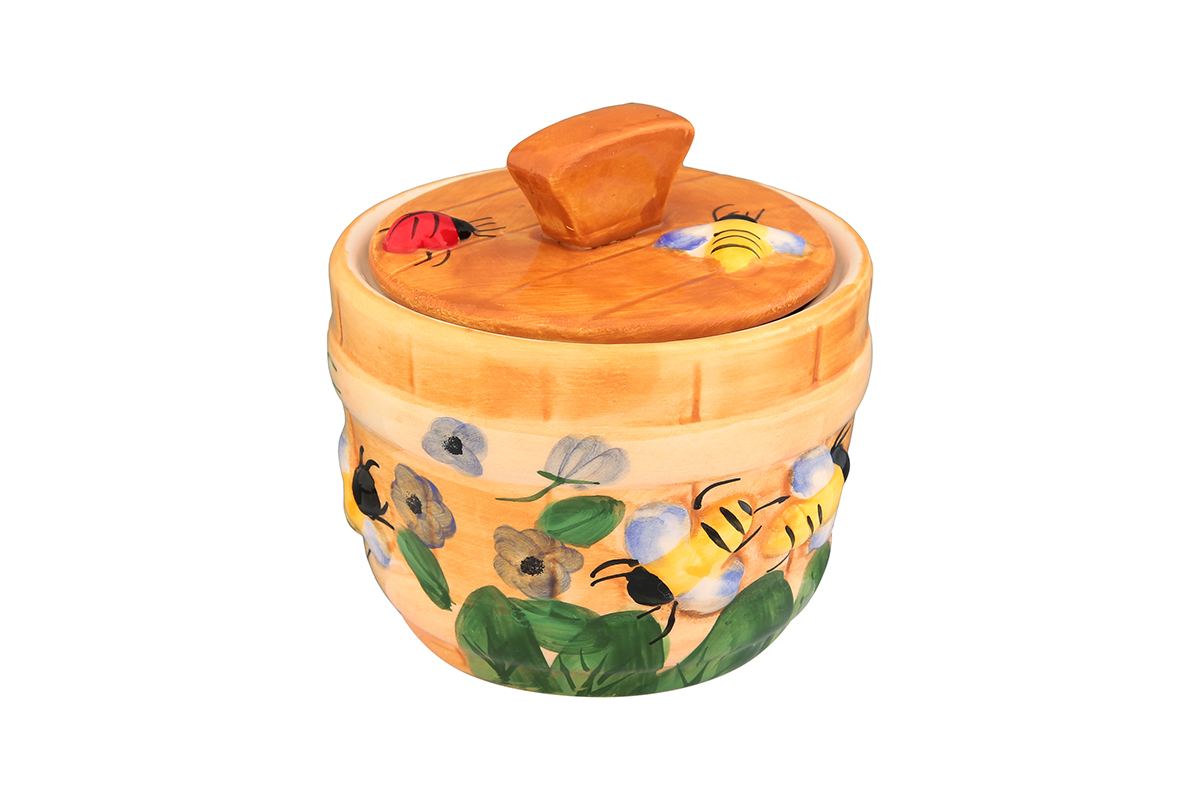 Горшочек для меда Elan Gallery Пчелки на лугу, 300 мл110829Очень милый горшочек для меда Elan Gallery Пчелки на лугу, выполненный из высококачественной керамики, украсит вашу кухню, особенно на даче. Благодаря съемной силиконовой прокладке на крышке горшочек плотно закрывается. Можно использовать для сыпучих продуктов - соли и сахара.
