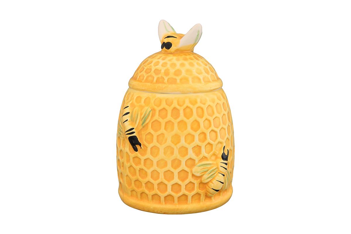 Горшочек для меда Elan Gallery Пчелки на сотах, 300 мл110850Горшочек для меда Elan Gallery Пчелки на сотах, выполненный из высококачественной керамики, лучший подарок для сладкоежки. Изделие снабжено плотно закрывающейся крышкой. Можно использовать для сыпучих продуктов - соли и сахара.Размер банки: 9 х 9 х 13 см.