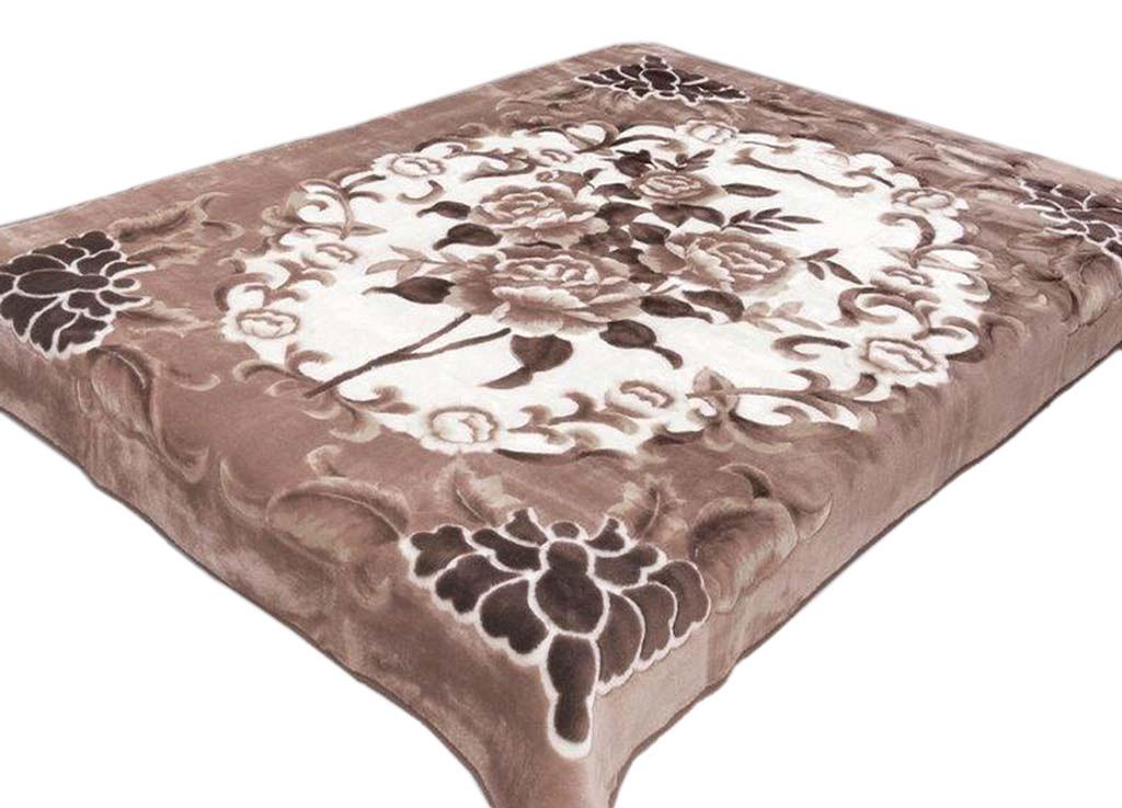 Плед Tamerlan, нестриженый, цвет: светло-серый, 150 х 200 см. 7453374533Плед Tamerlan - это идеальное решение для вашего интерьера! Он порадует вас легкостью, нежностью и оригинальным дизайном! Плед выполнен из 100% полиэстера. Полиэстер считается одной из самых популярных тканей. Это материал синтетического происхождения из полиэфирных волокон. Внешне такая ткань схожа с шерстью, а по свойствам близка к хлопку. Изделия из полиэстера не мнутся и легко стираются. После стирки очень быстро высыхают.Плед - это такой подарок, который будет всегда актуален, особенно для ваших родных и близких, ведь вы дарите им частичку своего тепла!Плотность: 400 г/м2