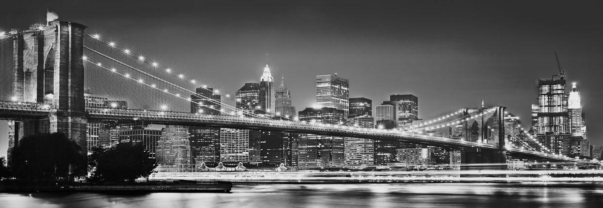 Фотообои Komar Бруклинский мост, 3,68 х 1,24 мXXL2-320Флизелиновые фотообои известного бренда Komar позволят создать неповторимый облик помещения, в котором они размещены. Фотообои наносятся на стены тем же способом, что и обычные обои. Благодаря превосходной печати и высококачественной флизелиновой основе такие обои будут радовать вас долгое время.Фотообои снова вошли в нашу жизнь, став модным направлением декорирования интерьера. Выбрав правильную фактуру и сюжет изображения можно добиться невероятного эффекта живого присутствия. Ширина рулона: 3,68 м.Высота полотна: 1,24 м.