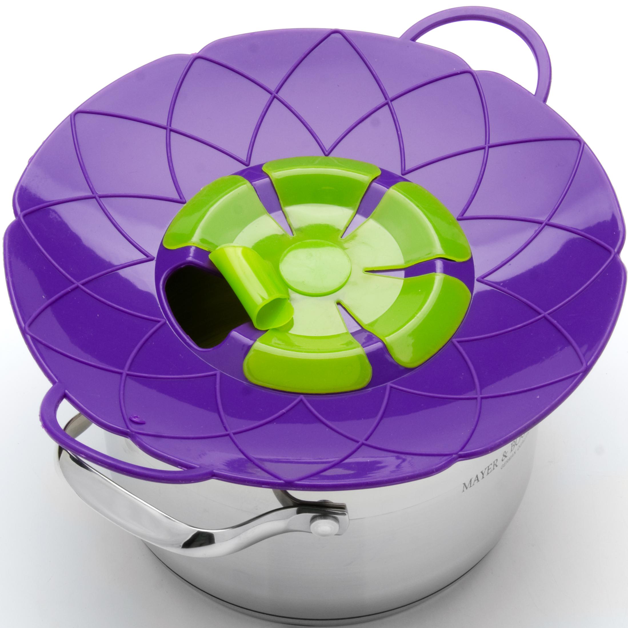 Крышка-невыкипайка Mayer & Boch, цвет: фиолетовый, зеленый, диаметр 25 см24256-4Крышка-невыкипайка Mayer & Boch изготовлена из термостойкого силикона высокого качества, поэтому не теряет формы при воздействии высоких температур. Подходит для посуды диаметром 15-25 см. Изделие предотвращает выкипание, защищает мебель и плиту от брызг масла при жарке продуктов, следовательно, ваша кухня всегда будет в чистоте. Крышку также можно использовать для приготовления пищи на пару. Можно мыть в посудомоечной машине, использовать в СВЧ и в холодильнике. При хранении в прохладных местах крышка обеспечит свежесть продуктов. При использовании крышки в микроволновой печи масло не разбрызгивается.