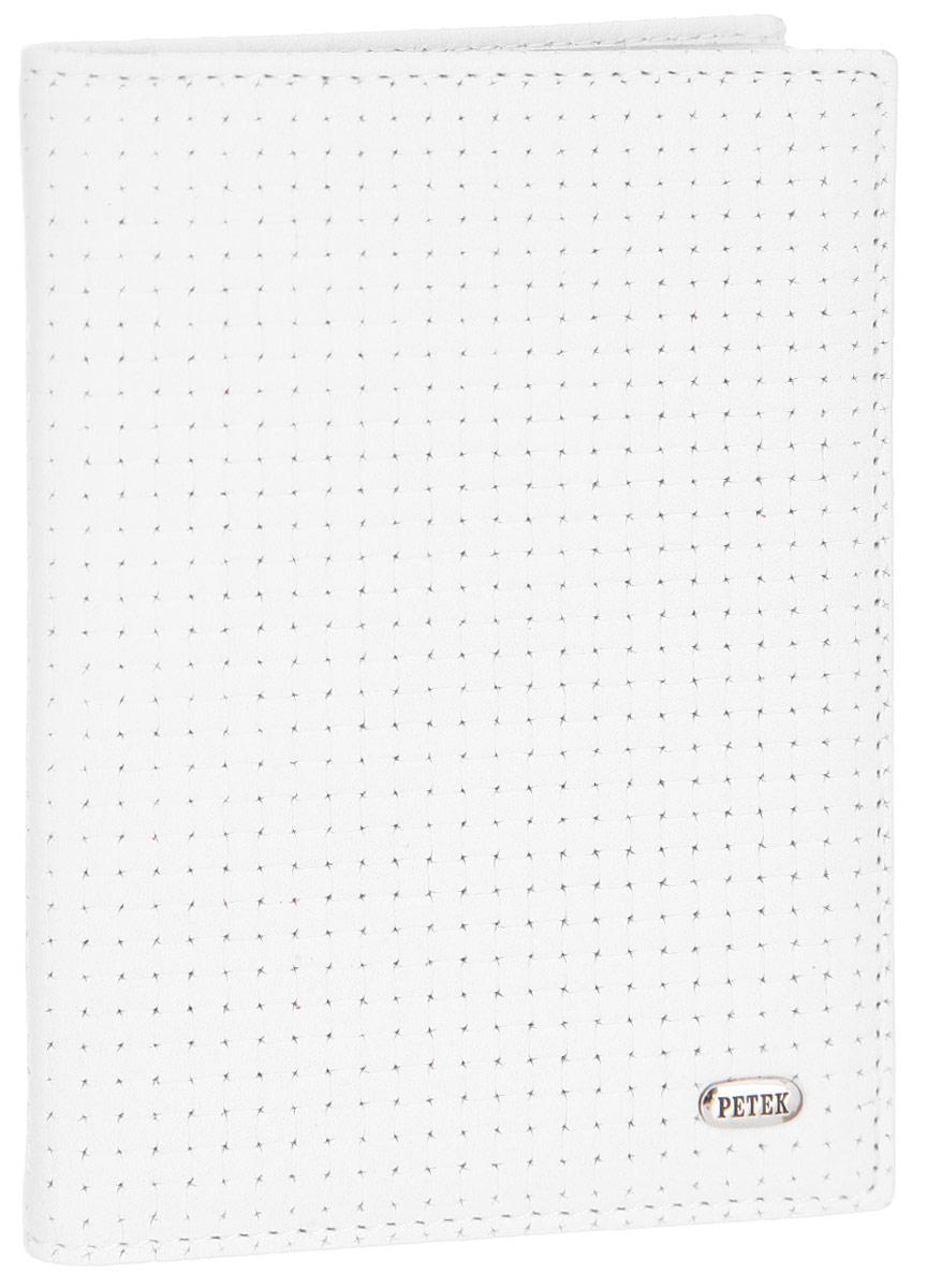 Обложка для автодокументов Petek 1855, цвет: белый. 584.020.00Натуральная кожаОбложка для автодокументов Petek 1855 выполнена из высококачественной натуральной кожи и оформлена декоративным тиснением под плетение. На внутреннем развороте - съемный блок из шести прозрачных файлов из мягкого пластика, один из которых формата А5, два боковых кармана, один из которых сетчатый, и четыре прорезных кармашка для визиток и пластиковых карт.Обложка не только поможет сохранить внешний вид ваших документов и защитит их от повреждений, но и станет стильным аксессуаром, который подчеркнет ваш неповторимый стиль.