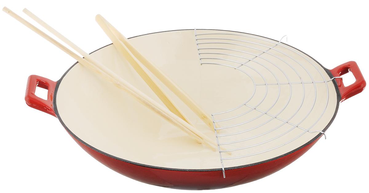 """Сковорода-вок """"Mayer & Boch"""" изготовлена из высококачественного литого закаленного чугуна. Корпус изделия покрыт жаростойким лаком и имеет долгий срок службы. Утолщенное дно обеспечивает равномерное распределение тепла. Чугун - это экологически чистый материал, абсолютно безопасный для приготовления пищи. Чугунная посуда - идеальный вариант для любителей тушеных блюд. Благодаря толстым стенкам, при тушении сохраняется все вкусовое богатство и пикантный аромат блюда. Сковорода имеет стеклянную крышку с пластиковой ручкой, которая позволяет следить за процессом приготовления блюд. Вок - это специальный вид сковороды, который пришел к нам из Китая. Сковорода-вок в последнее время все чаще встречается на кухнях европейцев, выбирающих ее за уникальные характеристики, присущие только этому виду посуды. Конусообразная форма способствует тому, что пища прожаривается молниеносно, так как пламя охватывает сразу все стенки. Продукты получаются сочными внутри, а сверху мгновенно образуется хрустящая корочка, которая не дает еде терять витамины и минералы. Чугунная посуда с покрытием из стекловидной эмали может быть использована на варочных поверхностях любых видов таких как: плита и барбекю. В комплекте - бамбуковые щипцы, стальная решетка-гриль и 2 бамбуковые палочки.Подходит для всех типов плит, включая индукционных. Не рекомендуется мыть в посудомоечной машине.Диаметр сковороды (по верхнему краю): 36,5 см. Высота стенки: 9,5 см. Ширина сковороды (с учетом ручек): 44 см.Длина щипцов: 25,5 см.Длина палочек: 36 см.Размер решетки: 33 х 17 см."""