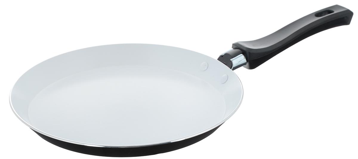 Сковорода для блинов Mayer & Boch, с керамическим покрытием, цвет: черный. Диаметр 22 см. 2015820158Сковорода Mayer & Boch, изготовленная из алюминия с высококачественным керамическим покрытием, прекрасно подойдет для жарки блинов и оладий. Керамика не содержит вредных примесей ПФОК, что способствует здоровому и экологичному приготовлению пищи. Толщина покрытия более 40 микрон, что говорит о его повышенных антипригарных свойствах. Покрытие обладает высокой прочностью, устойчиво к высокотемпературным режимам и истиранию керамического слоя при ежедневном использовании. Увеличенная толщина дна и стенки продлевает срок службы изделия относительно аналогов. Ровное, плоское дно в сочетании с внешним термостойким стеклокерамическим покрытием позволяет использовать сковороду на современных электрических и газовых плитах. В отличие от жаропрочной краски, такое покрытие обеспечивает легкий уход за посудой. Гладкая, идеально ровная поверхность сковороды легко чистится, ее можно мыть в воде руками или вытирать полотенцем. Эргономичная ручка специального дизайна, выполненная из бакелита, удобна в эксплуатации. Сковорода подходит для использования на газовых и электрических плитах. Не подходит для индукционных плит. Также изделие можно мыть в посудомоечной машине. Диаметр: 22 см.Высота стенки: 2 см. Толщина стенки: 2,3 мм.Толщина дна: 2,4 мм.Длина ручки: 16 см.