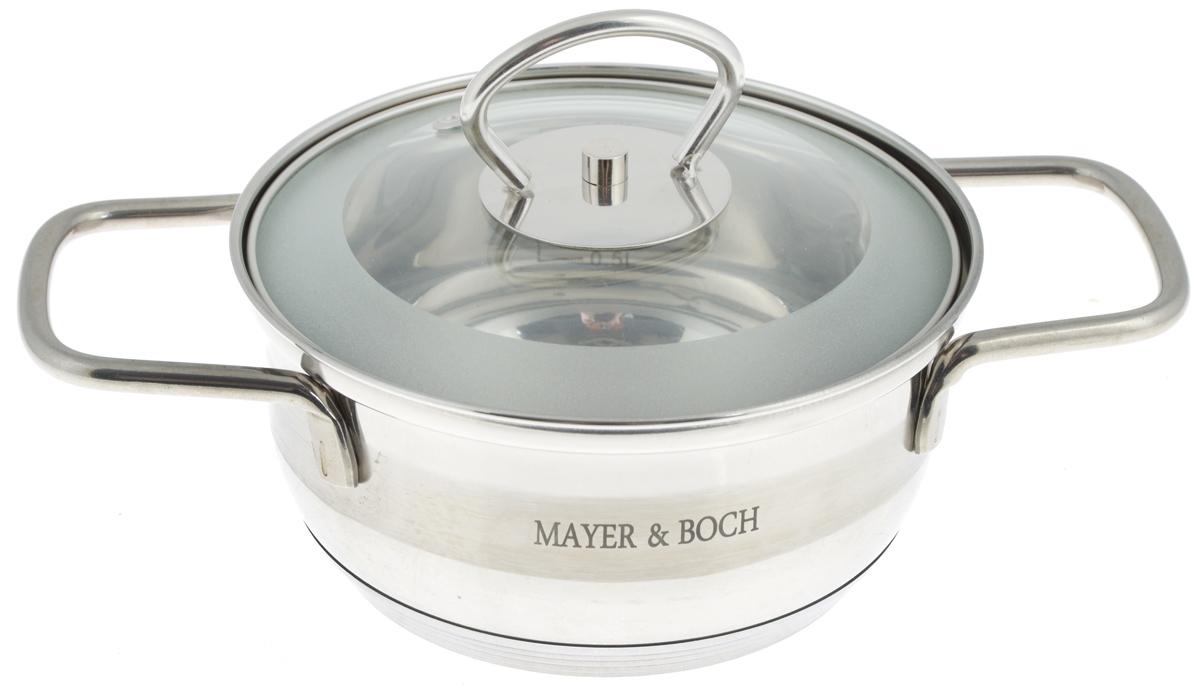 Кастрюля Mayer & Boch с крышкой, 1 л. 2540525405Кастрюля Mayer & Boch изготовлена из высококачественной нержавеющей стали. Комбинация матовой и зеркальной полировки внешнего покрытия придает изделию особо эстетичный и стильный вид. Изделие предназначено для здорового и экологичного приготовления пищи. Внутренняя гладкая поверхность легко чистится - можно мыть в воде руками или протирать полотенцем. Кастрюля имеет трехслойное капсульное дно, которое обеспечивает быстрый подогрев пищи, а также сохранит тепло. Кастрюля оснащена двумя удобными ручками. Крышка из термостойкого стекла снабжена металлическим ободом, удобнойручкой и отверстием для выпуска пара. Такая крышка позволяет следить за процессом приготовления пищи без потери тепла. Она плотно прилегает к краю кастрюли, сохраняя аромат блюд. Внутренние стенки кастрюли имеют отметки литража. Подходит для всех типов плит, включая индукционные. Не предназначена для СВЧ-печей. Можно мыть в посудомоечной машине. Подходит для хранения пищи в холодильнике.Диаметр кастрюли (по верхнему краю): 15,5 см.Диаметр индукционного диска: 7 см.Высота стенки: 7,3 см. Ширина кастрюли (с учетом ручек): 24,3 см.