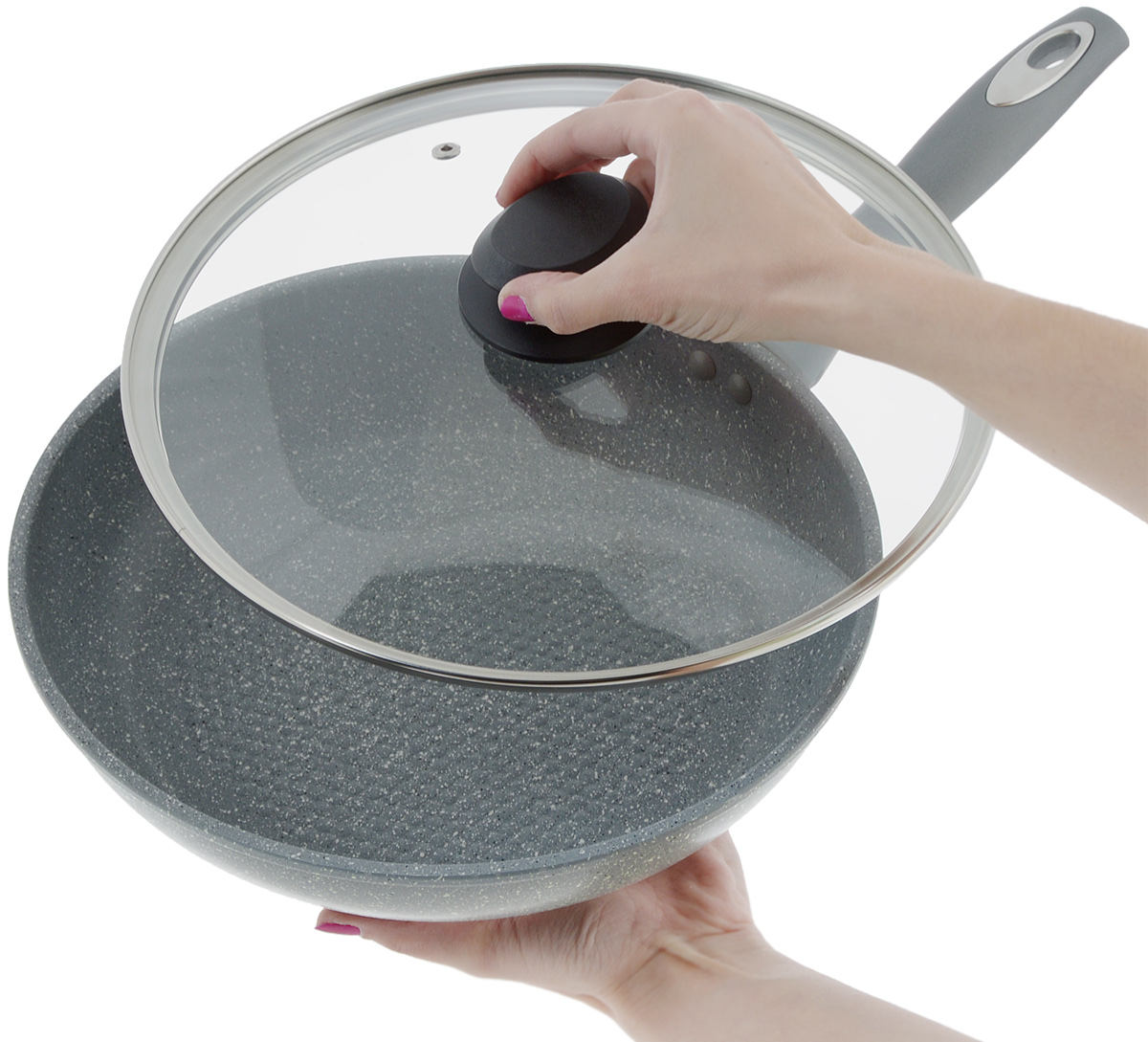 """Сковорода """"Mayer & Boch"""" выполнена из литого алюминия с антипригарным покрытием особой прочности Titanium Granit. Такое покрытие жаропрочное, защищает сковороду от царапин, экологически чистое и полностью безопасное, без вредных соединений и примесей. Благодаря высокой теплопроводности алюминия, посуда распределяет тепло по всей поверхности, экономя время и энергию. Рифленое дно позволяет готовить с минимальным количеством масла или без него. Эргономичная ручка из бакелита с покрытием soft-touch не нагревается и не скользит, а крышка из прозрачного стекла с отверстием для вывода пара позволит следить за процессом приготовления еды. Подходит для всех типов плит, включая индукционных. Можно мыть в посудомоечной машине.  Диаметр сковороды по верхнему краю: 26 см.Высота стенки: 5,5 см. Длина ручки: 18,5 см."""