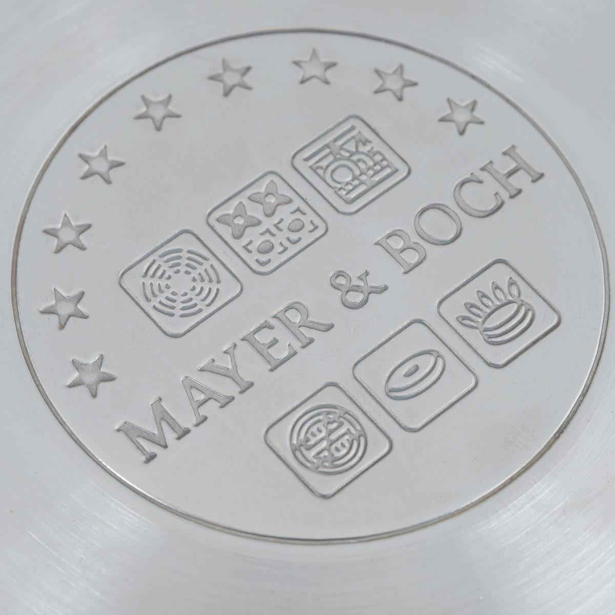 """Сотейник """"Mayer & Boch"""" изготовлен из высококачественной нержавеющей стали. Комбинация зеркальной и матовой полировки придает посуде безупречный внешний вид. Гладкая, идеально ровная поверхность легко очищается. Сотейник предназначен для здорового и экологического приготовления пищи. Удобная ручка имеет матовое покрытие и отверстие для подвешивания на крючок. Внутренние стенки имеют отметки литража. Крышка выполнена из термостойкого стекла, снабжена металлическим ободом и отверстием для выпуска пара. Сотейник можно использовать на всех типах плит, включая индукционные. Можно мыть в посудомоечной посуде. Диаметр (по верхнему краю): 14 см. Высота стенки: 7,5 см. Длина ручки: 15 см. УВАЖАЕМЫЕ КЛИЕНТЫ!  Обращаем ваше внимание на тот факт, что объем указан максимальный, с учетом полного наполнения до кромки. Шкала на внутренней стенке изделия имеет меньший литраж."""