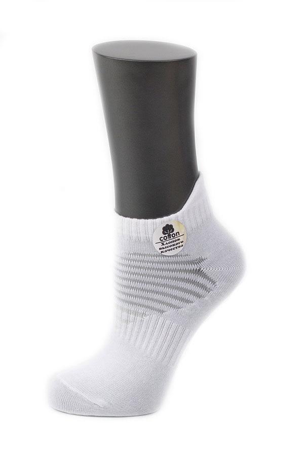 Носки женские Alla Buone, цвет: белый. CD032. Размер 25 (38-40)032CDУдобные носки Alla Buone, изготовленные из высококачественного комбинированного материала, очень мягкие и приятные на ощупь, позволяют коже дышать. Эластичная резинка плотно облегает ногу, не сдавливая ее, обеспечивая комфорт и удобство. Носки с укороченным паголенком и полупрозрачными полосками на верхней части носка. Практичные и комфортные носки великолепно подойдут к любой вашей обуви.
