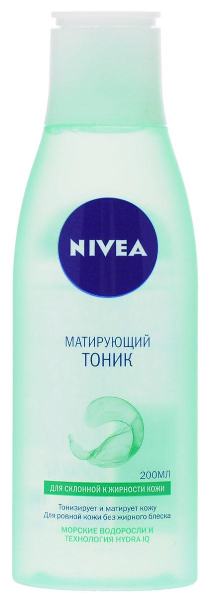 NIVEA Матирующий тоник для склонной к жирности кожи 200 мл10022606Очищающий тоник Nivea Visage Aqua Effect тонизирует и матирует кожу. Для ровной кожи без жирного блеска. Тоник с морскими водорослями и Hydra IQ:Глубоко очищает кожу, устраняя загрязнения. Регулирует работу сальных желез, устраняя жирный блеск.Поддерживает природный баланс увлажненности кожи. Характеристики:Объем: 200 мл. Артикул: 81171. Производитель: Германия. Товар сертифицирован.