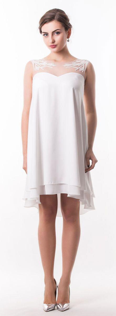 Платье Seam, цвет: белый. 4920_102. Размер S (44)4920_102Оригинальное платье Seam выполнено из полиэстера. Модель с круглым вырезом горловины имеет двойную атласную юбку. Верх изделия выполнен из сетчатого материала и расшит бисером. Спинка модели немного удлинена. Линия талии дополнена узким съемным поясом на пуговице.